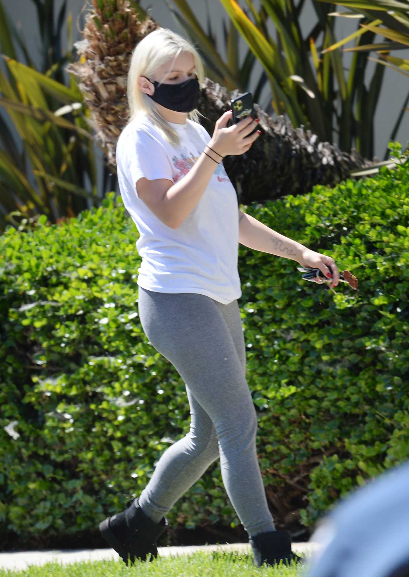 Ariel Winter in a White Tee Was Seen Out in North Hollywood 07/21/2020