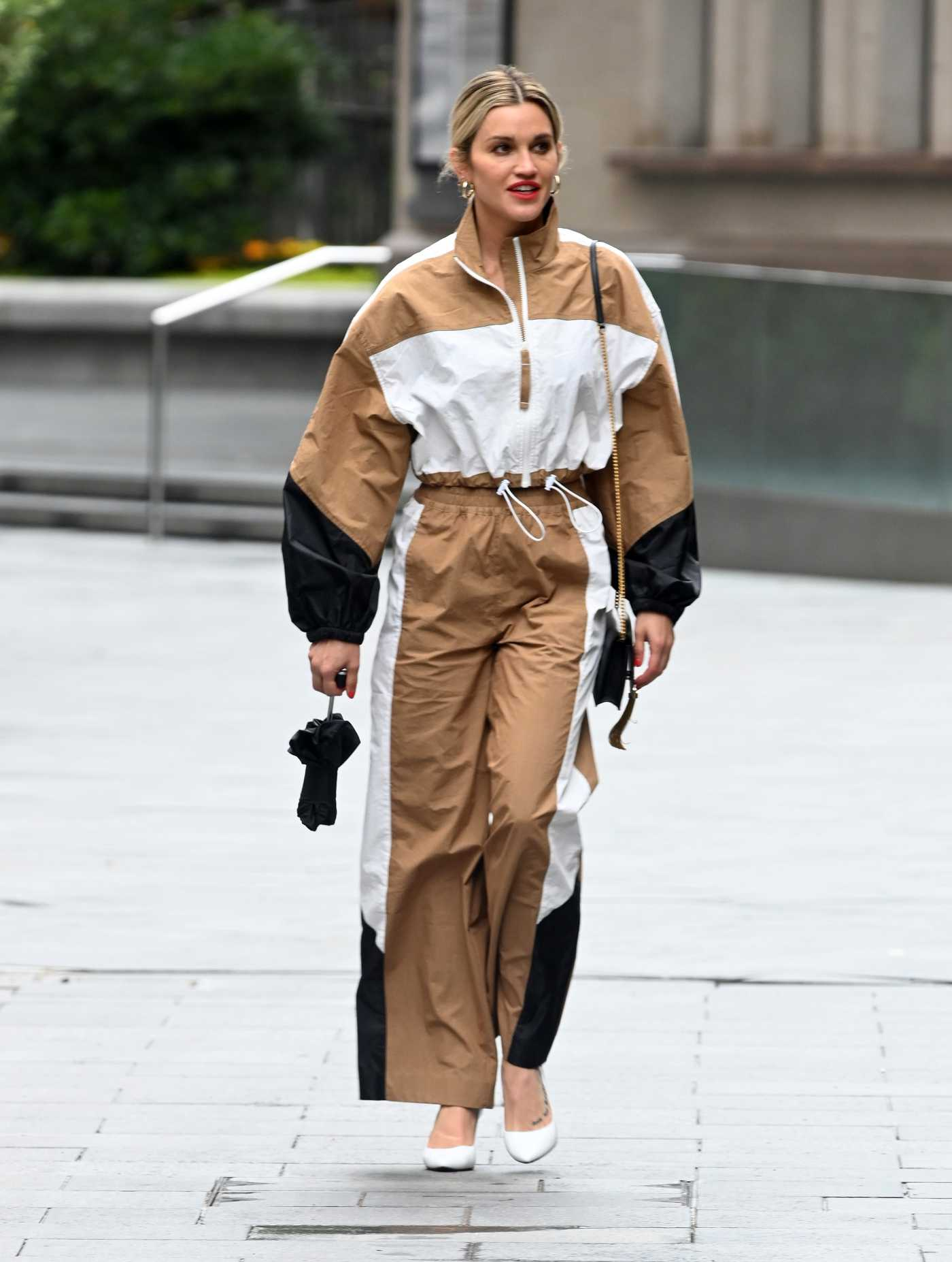 Ashley Roberts in a Beige and White Tracksuit Leaves the Heart Radio in London 07/08/2020