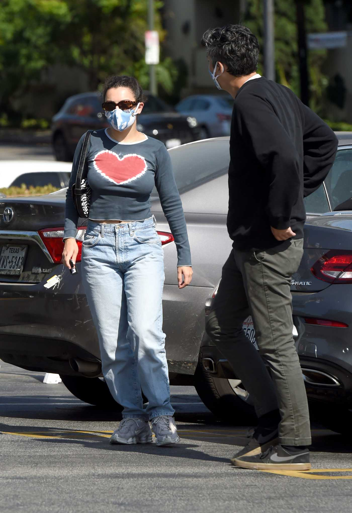 Charli XCX in a Protective Mask Goes Grocery Shopping at Gelson's Market in Los Angeles 06/29/2020