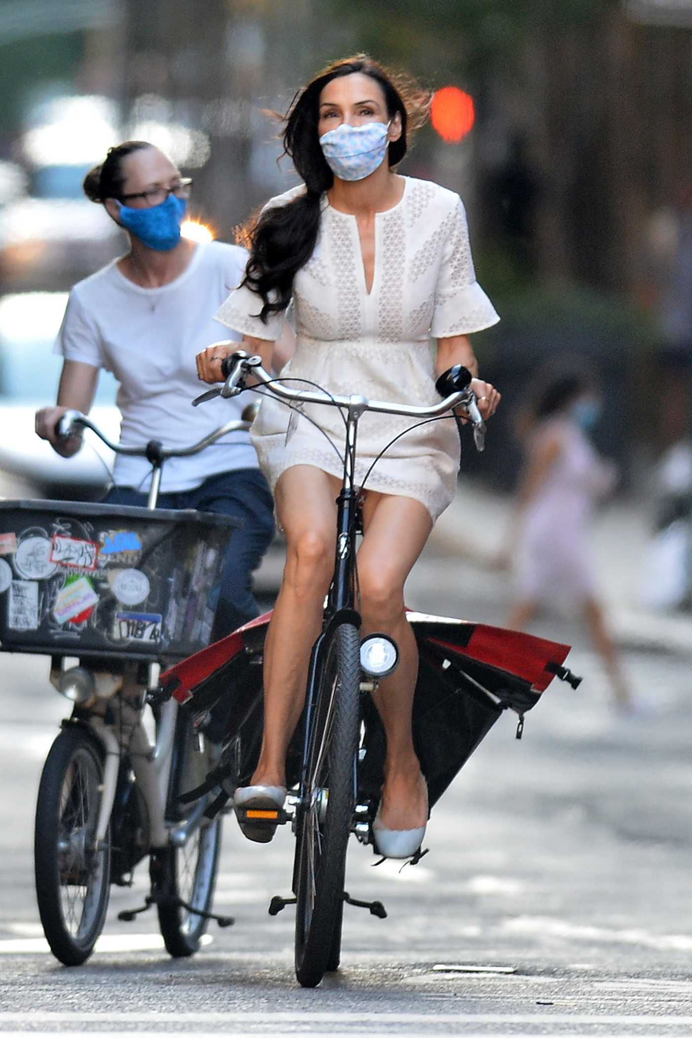 Famke Janssen in a Protective Mask Takes a Bike Ride in New York 07/14/2020