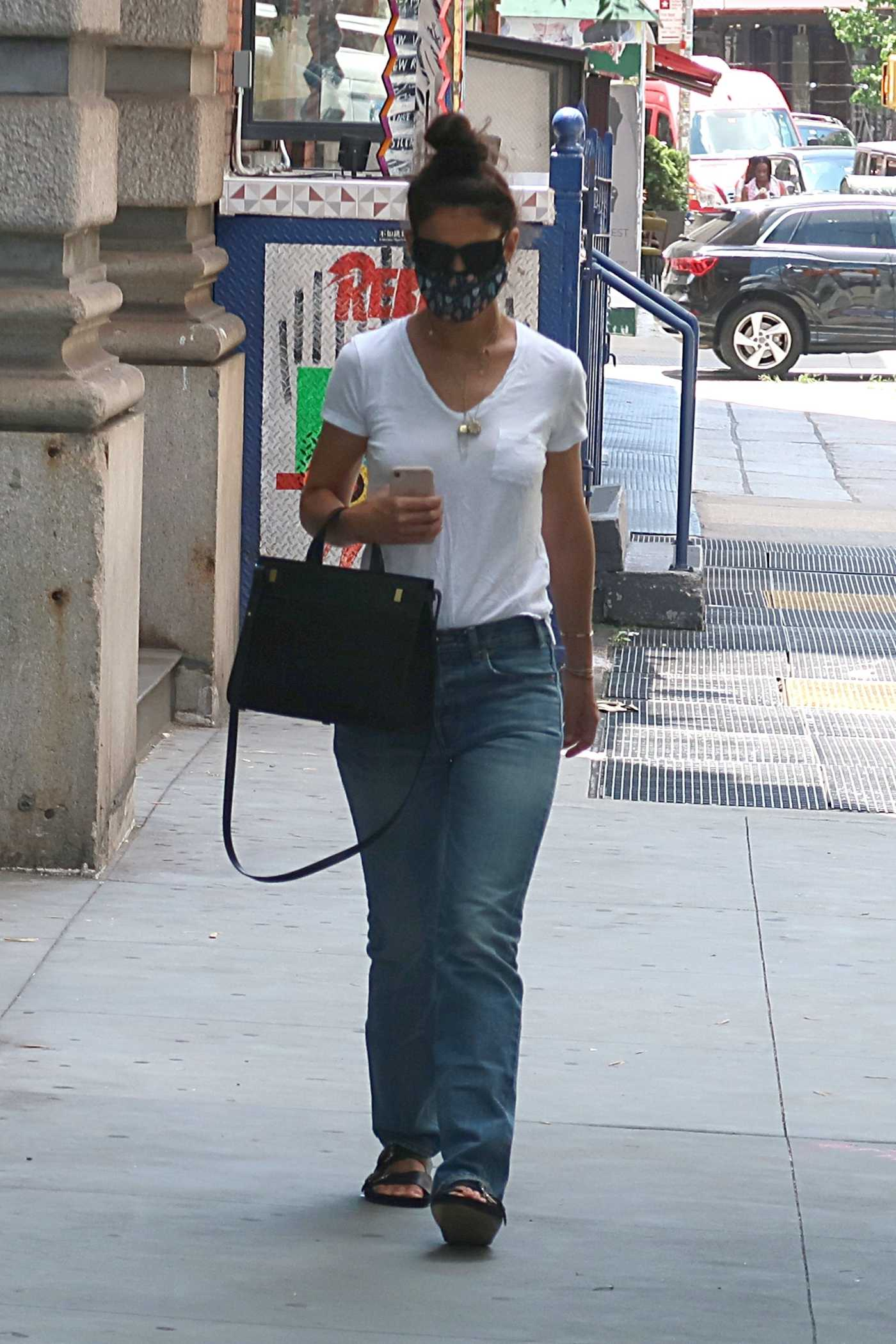 Katie Holmes in a White Tee Was Seen Out in New York 07/14/2020