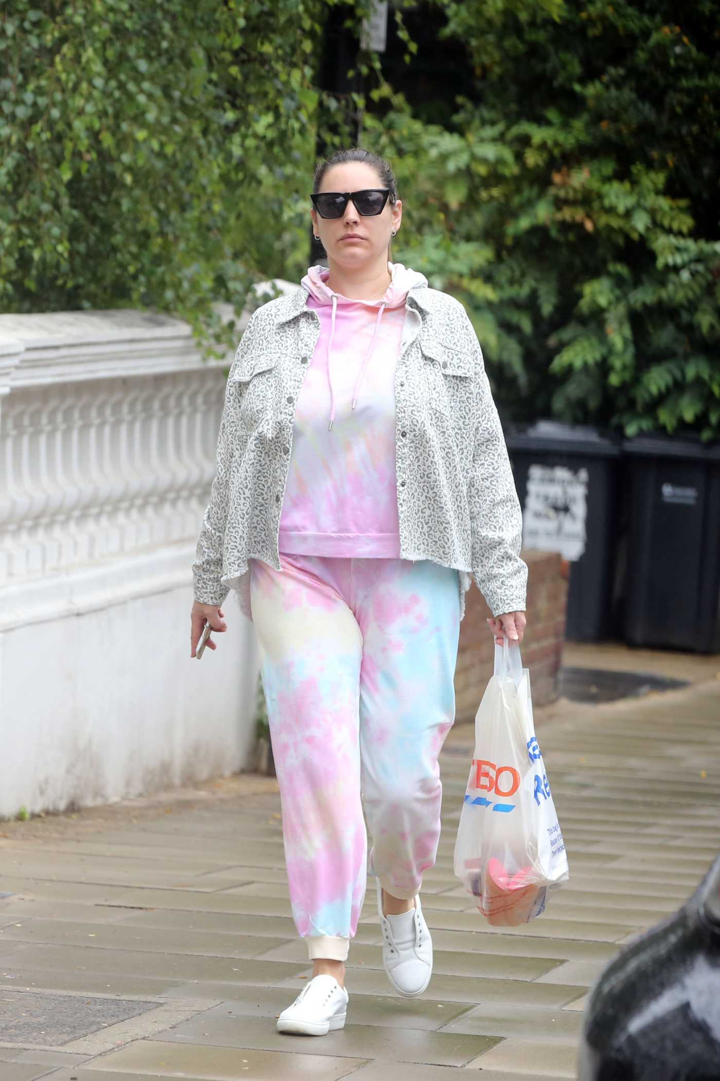 Kelly Brook in a Pink Tie-Dye Tracksuit Does a Shopping Trip in London 07/20/2020