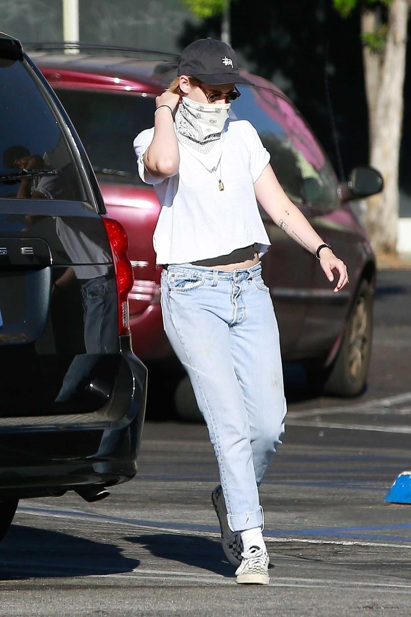 Kristen Stewart in a White Tee Goes Shopping at Rite Aid in Los Feliz 07/09/2020