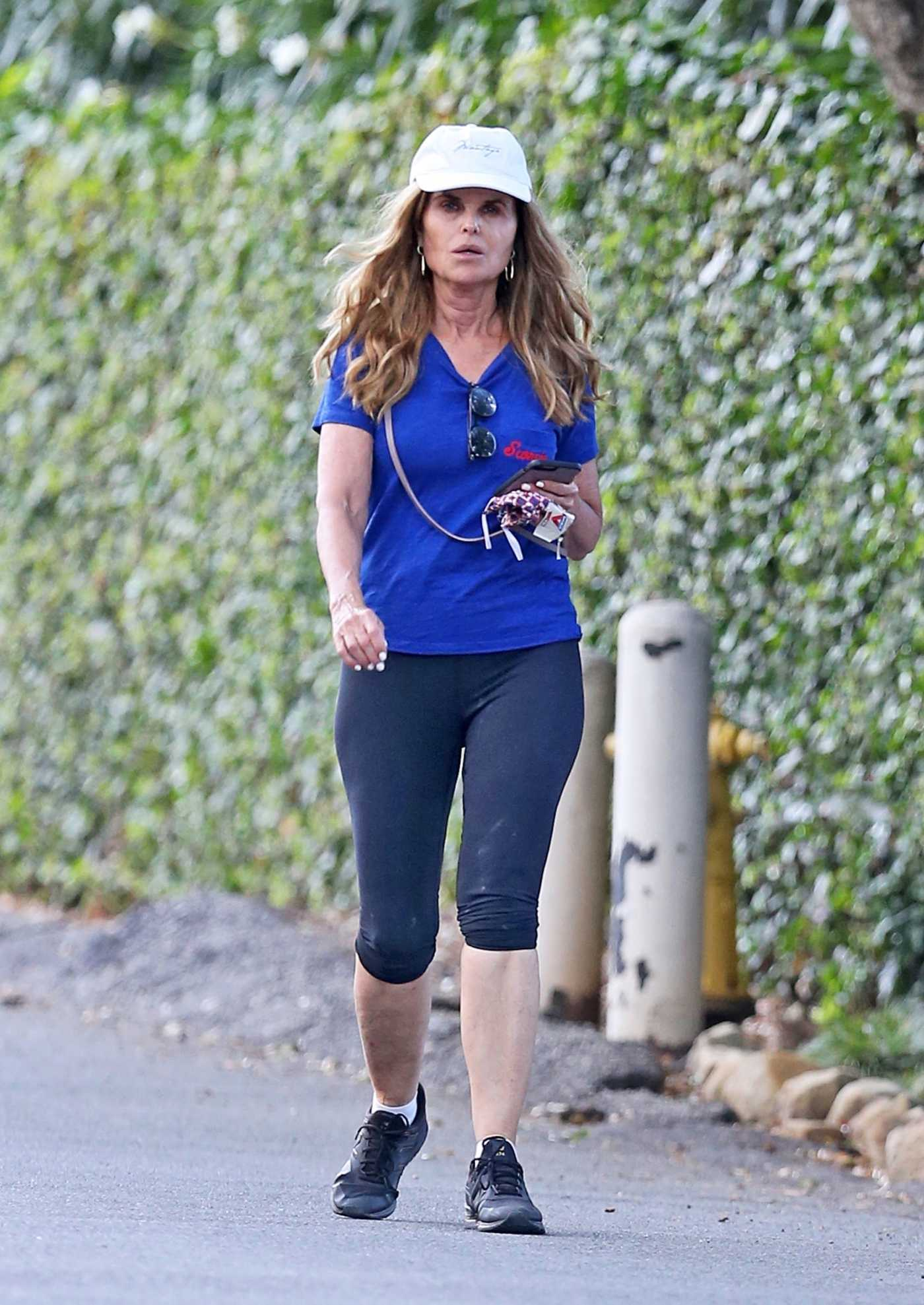 Maria Shriver in a Blue Tee Was Seen Out with Sheryl Berkoff in Los Angeles 07/05/2020