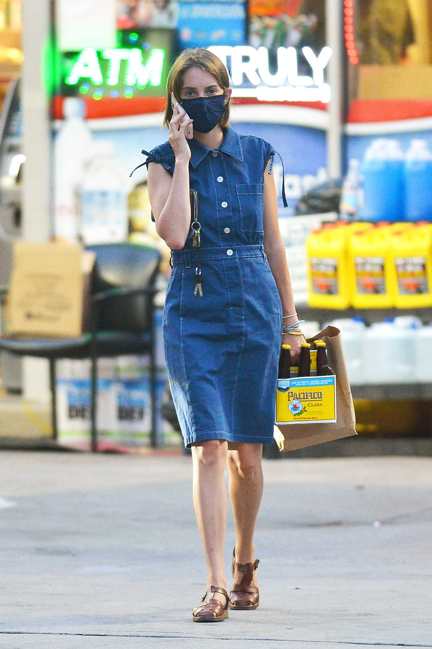 Maya Hawke in a Blue Dress Picks up a Pack of Pacifico Clara Beer in New York 07/29/2020