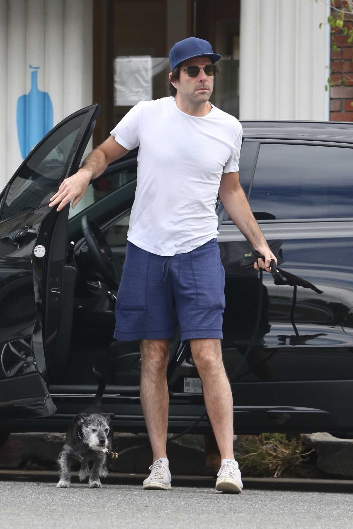 Zachary Quinto in a White Tee Grabs Coffee in Los Feliz 06/29/2020