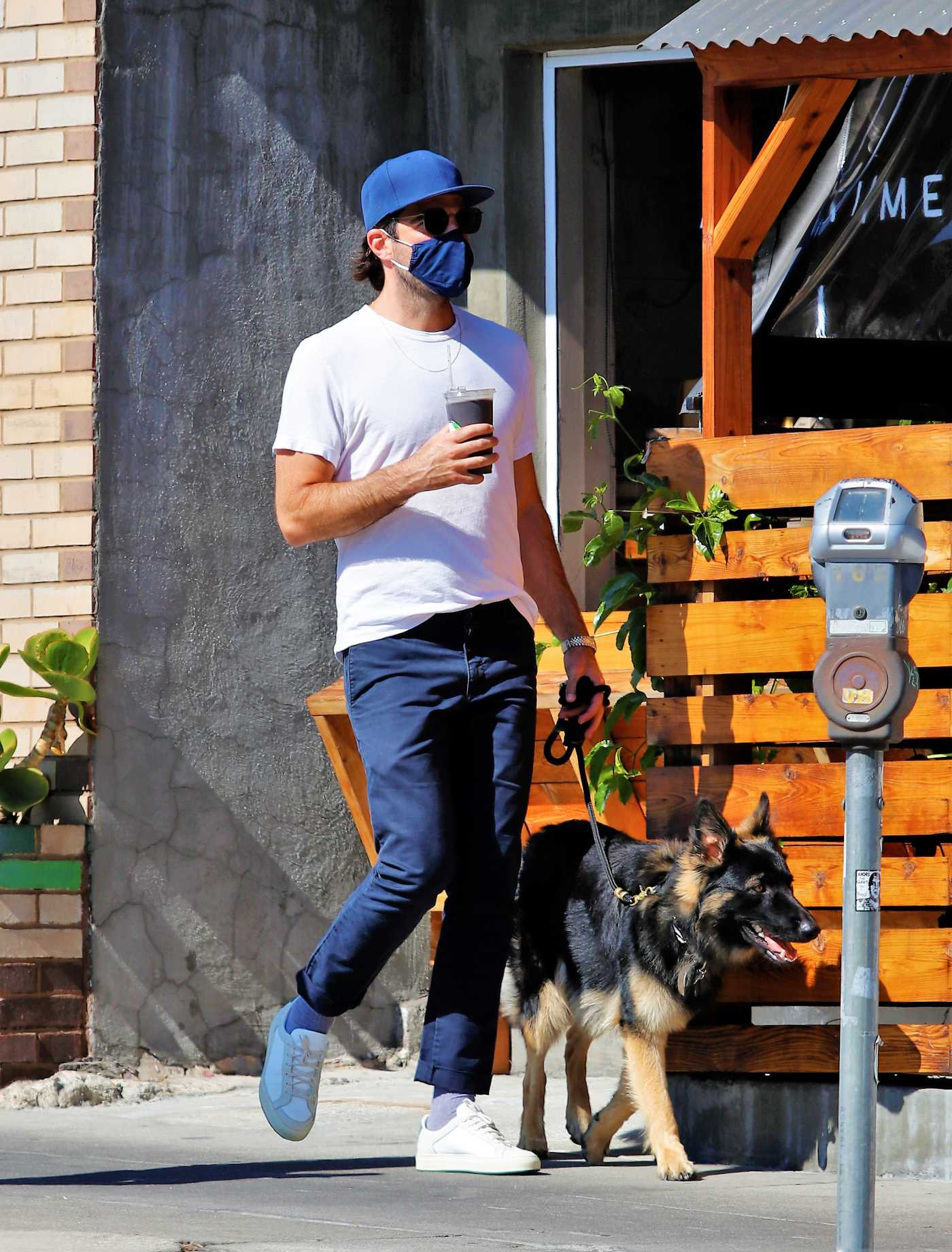 Zachary Quinto in a White Tee Walks His Dog in Los Angeles 07/24/2020
