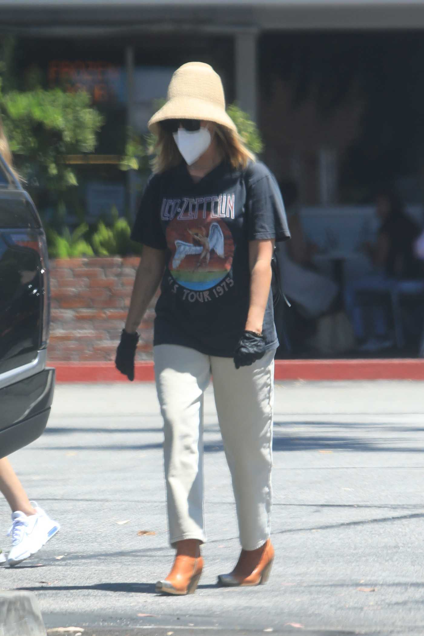 Ashley Tisdale in a Black Led Zeppelin T-Shirt Was Seen Out in Bel Air 08/08/2020