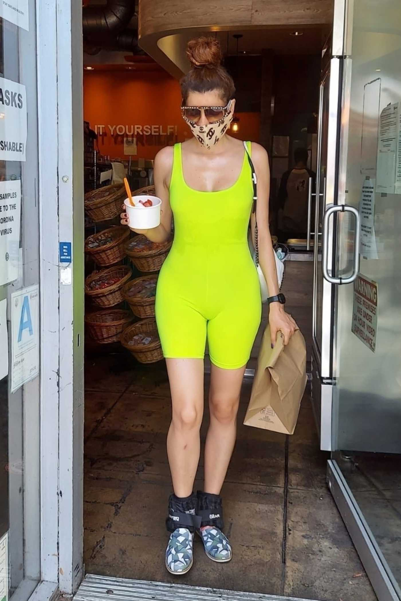 Blanca Blanco in a Neon Green Workout Outfit Was Seen Out in Los Angeles 08/18/2020