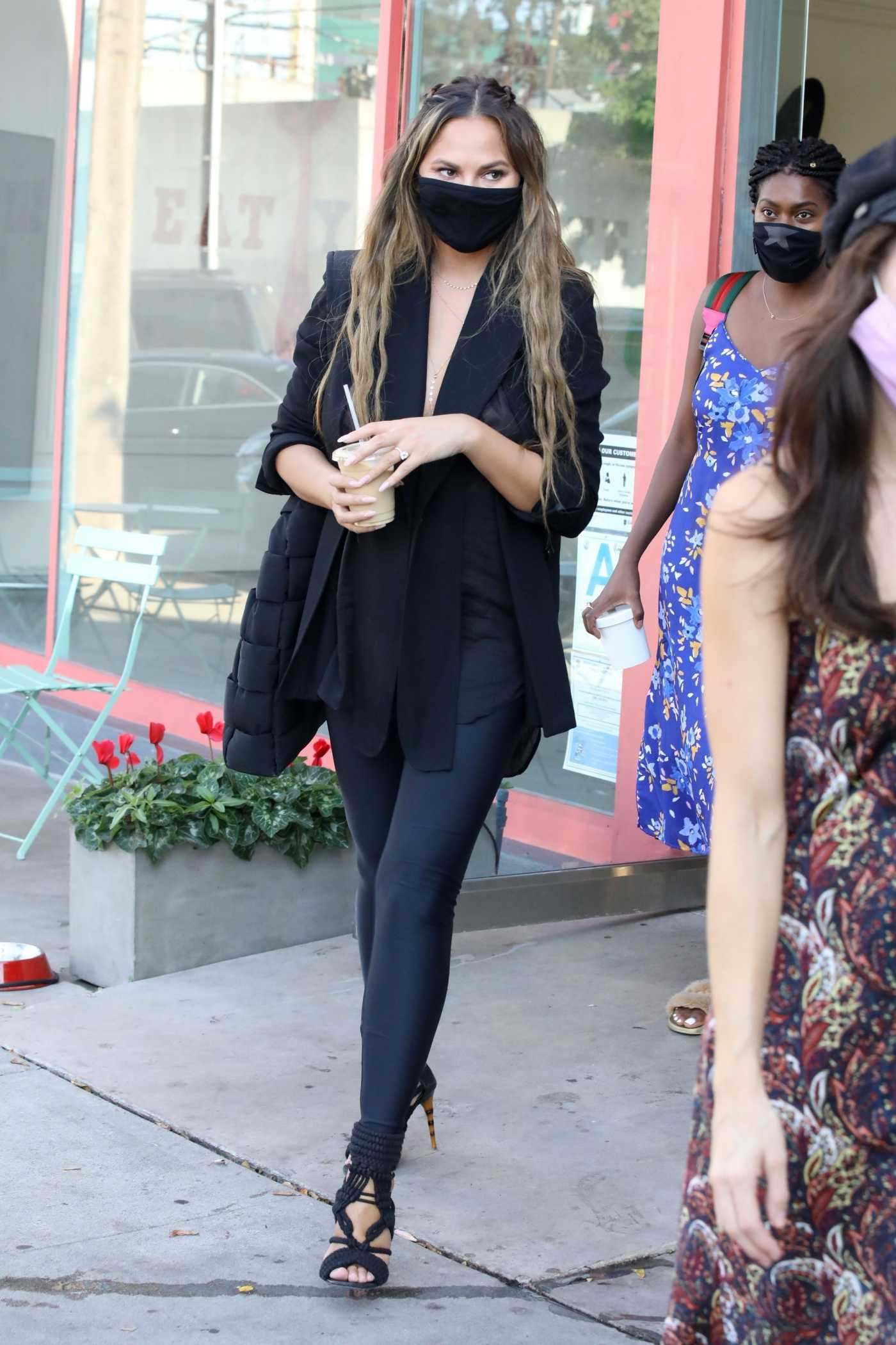Chrissy Teigen in a Black Protective Mask Was Seen Out in West Hollywood 08/26/2020
