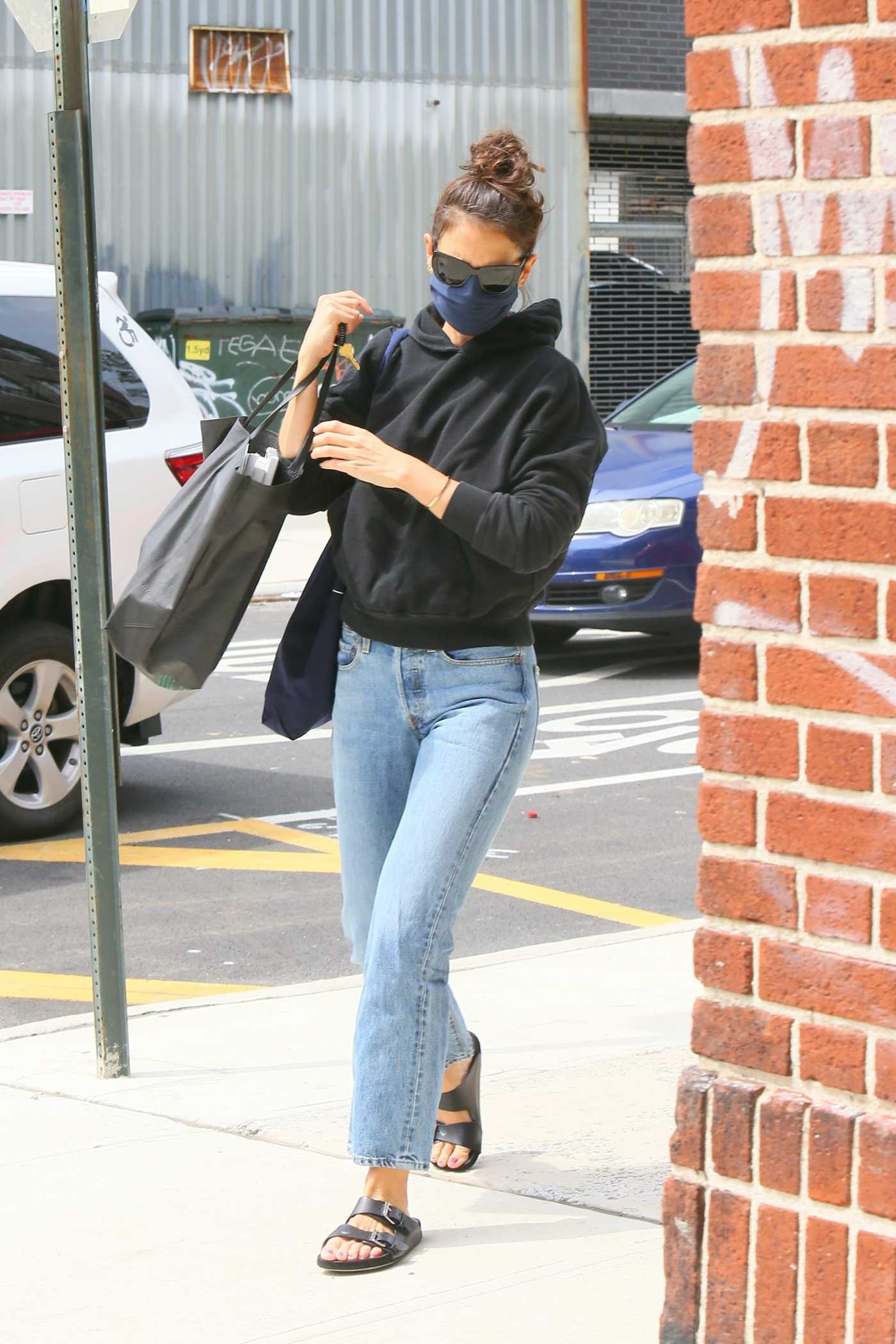 Katie Holmes in a Black Hoody Heads Into a Brooklyn Office in NYC 08/21/2020