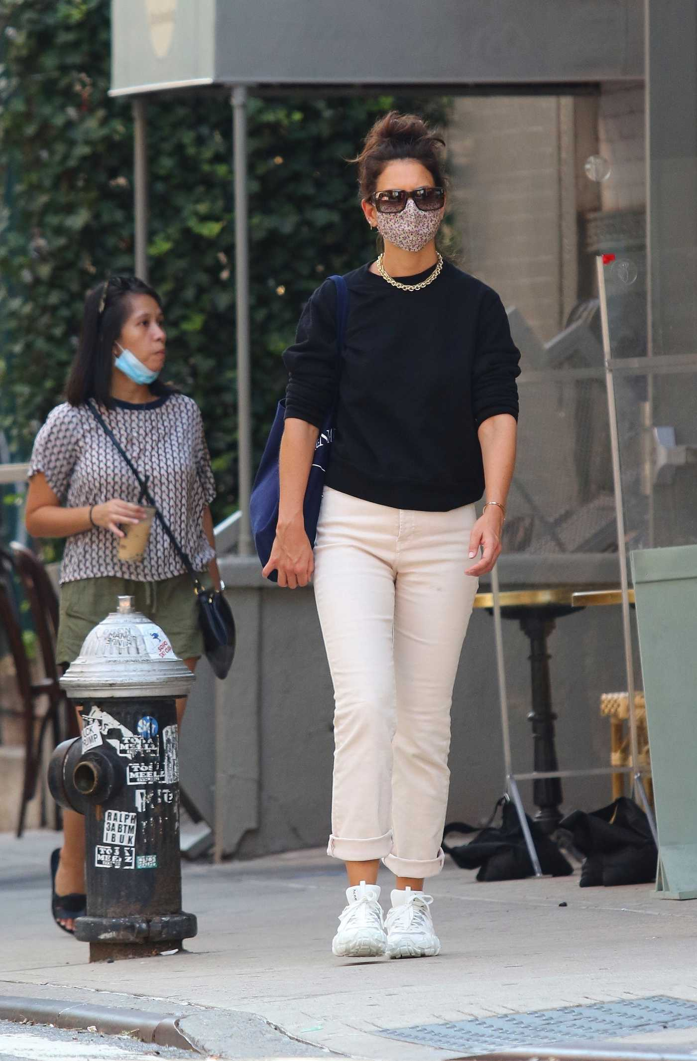 Katie Holmes in a White Sneakers Leaves the Acne Studios Store in Downtown Manhattan 08/09/2020