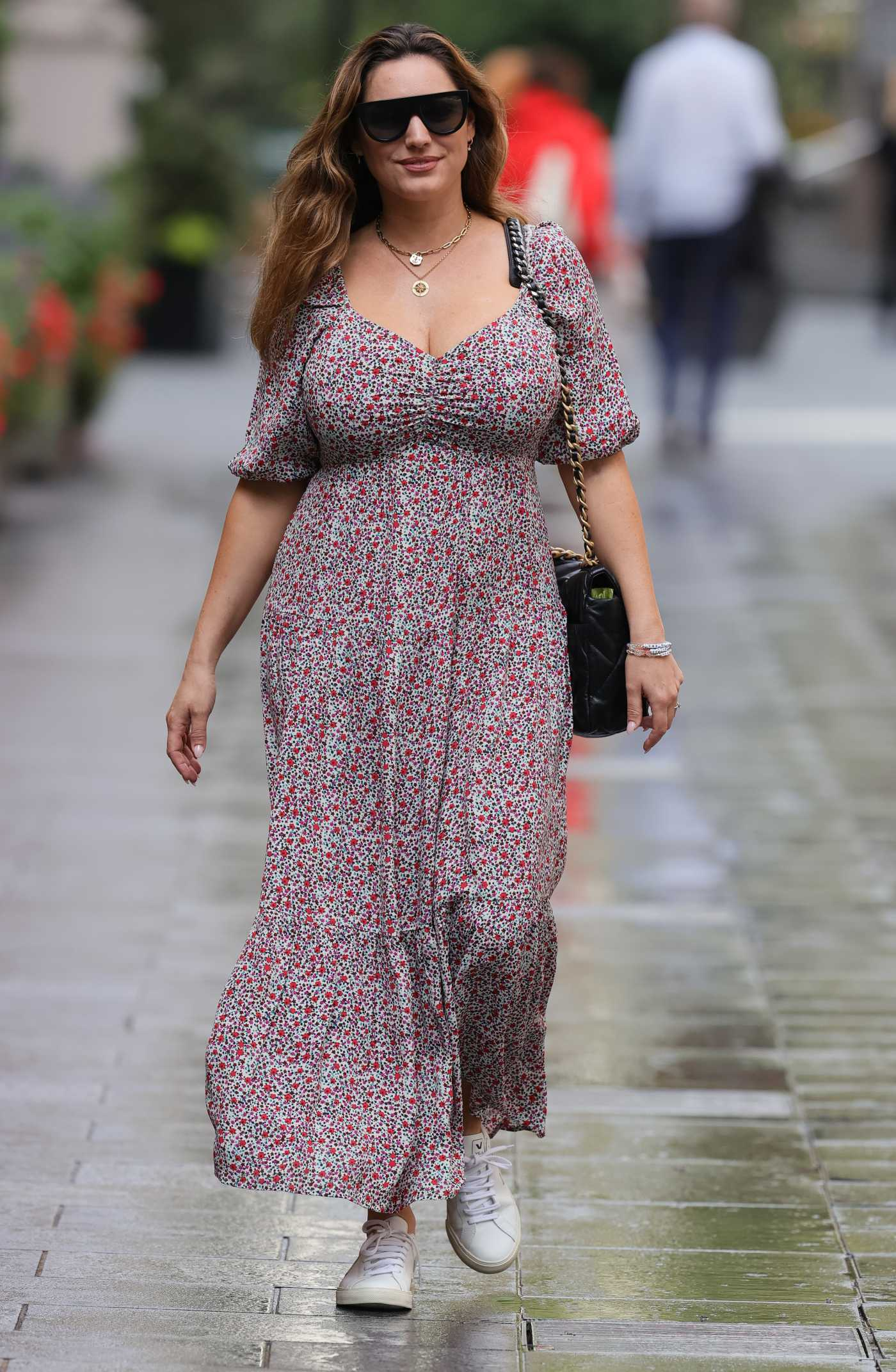 Kelly Brook in a Floral Summer Dress Leaves the Heart Radio in London 08/17/2020