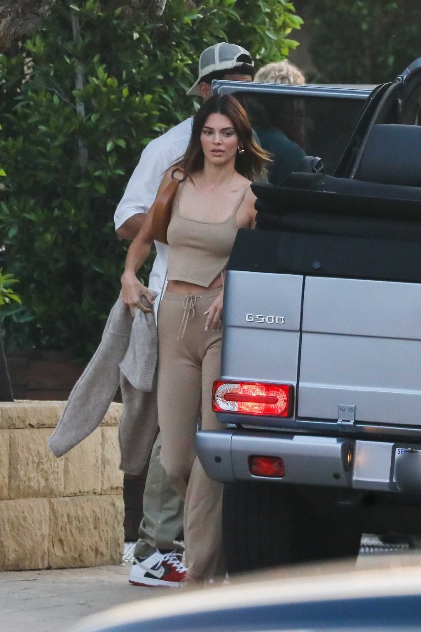 Kendall Jenner in a Beige Top Arrives at SoHo House with Friends in Malibu 08/20/2020