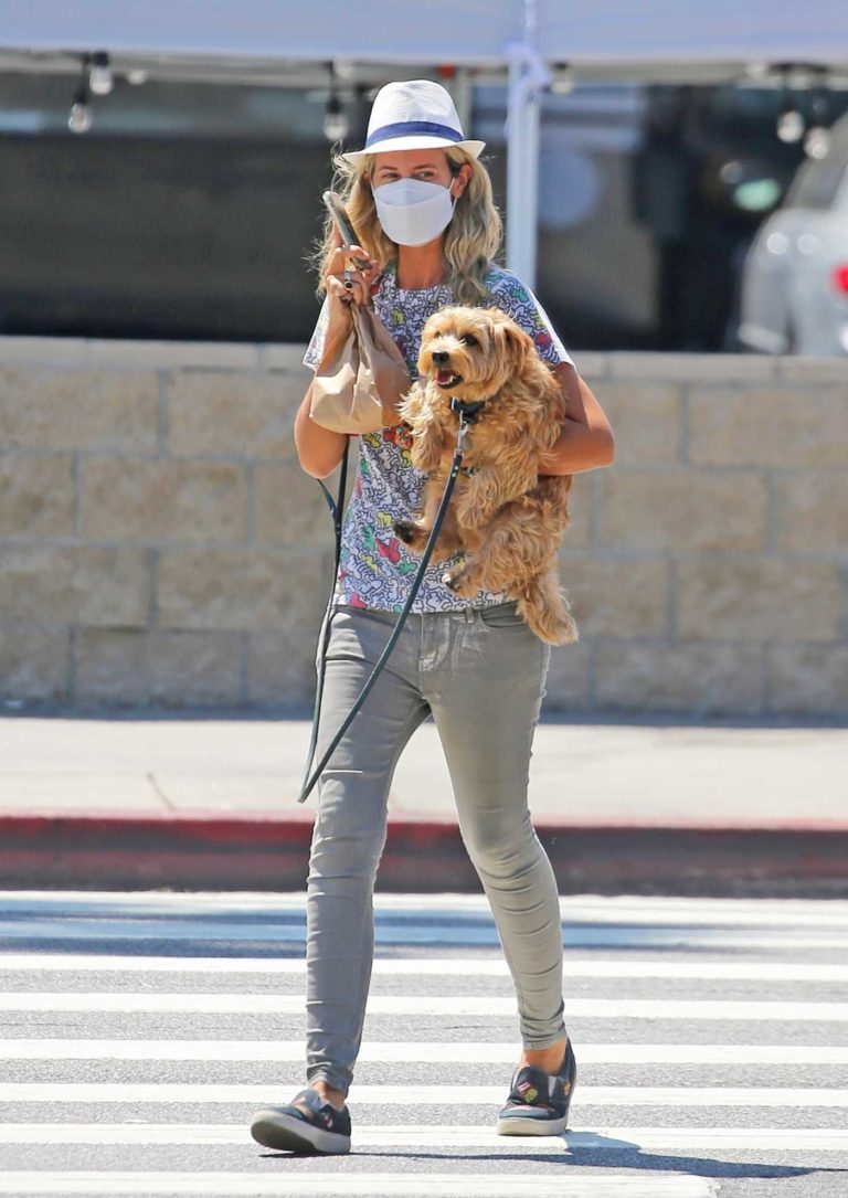 Lady Victoria Hervey in a Vintage Keith Haring T-Shirt