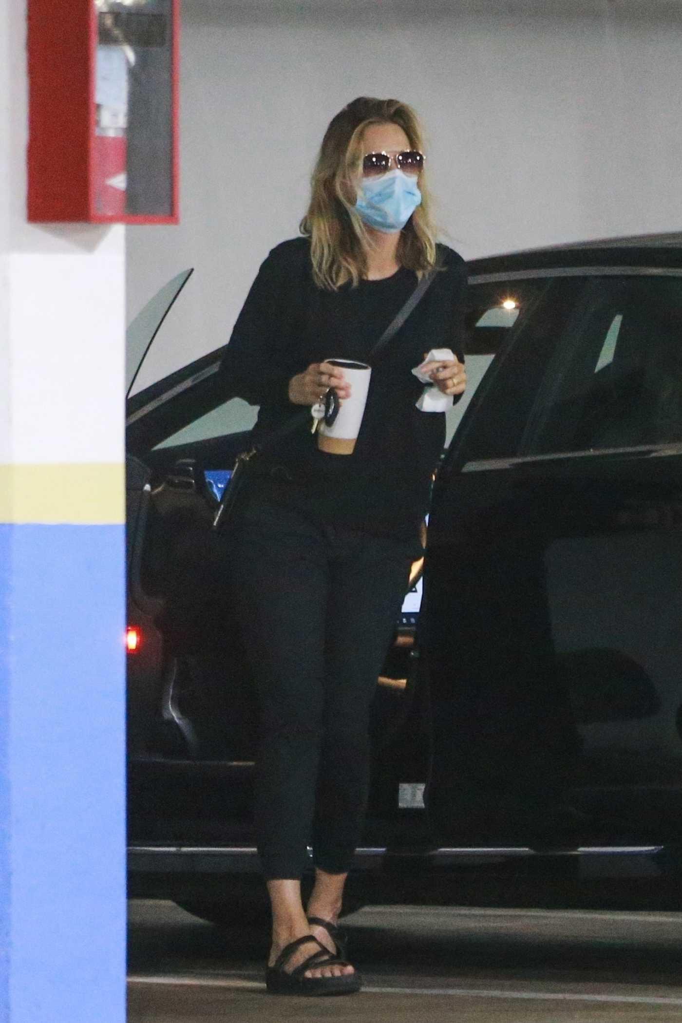 Michelle Pfeiffer in a Black Sweatshirt Was Seen Out in Santa Monica 08/05/2020