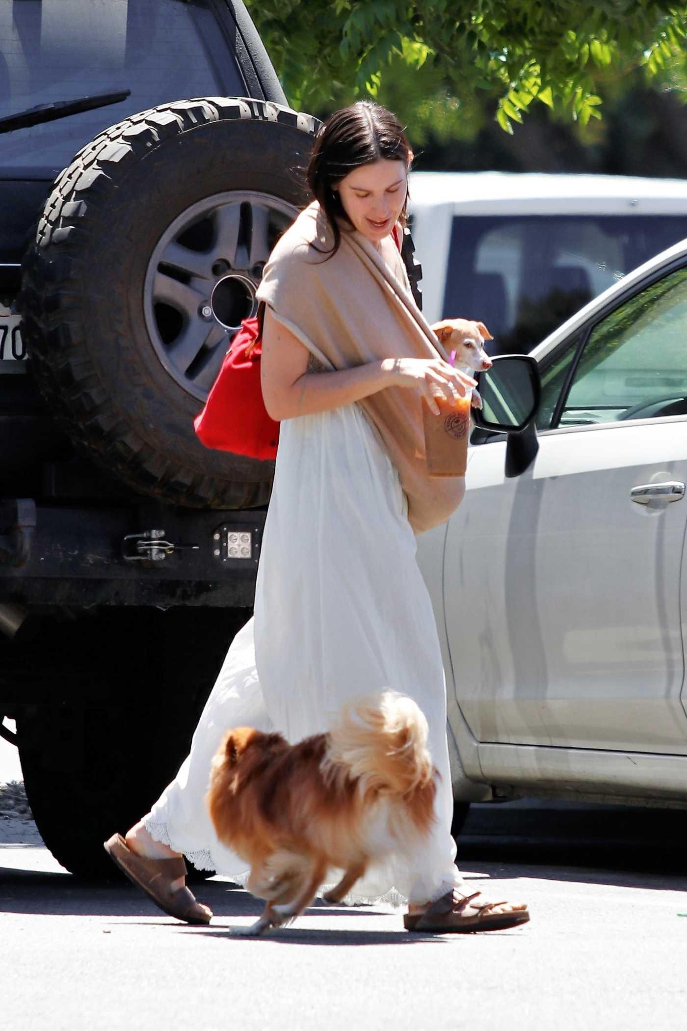 Scout Willis in a White Dress Arrives at the Park in Los Feliz 08/02/2020