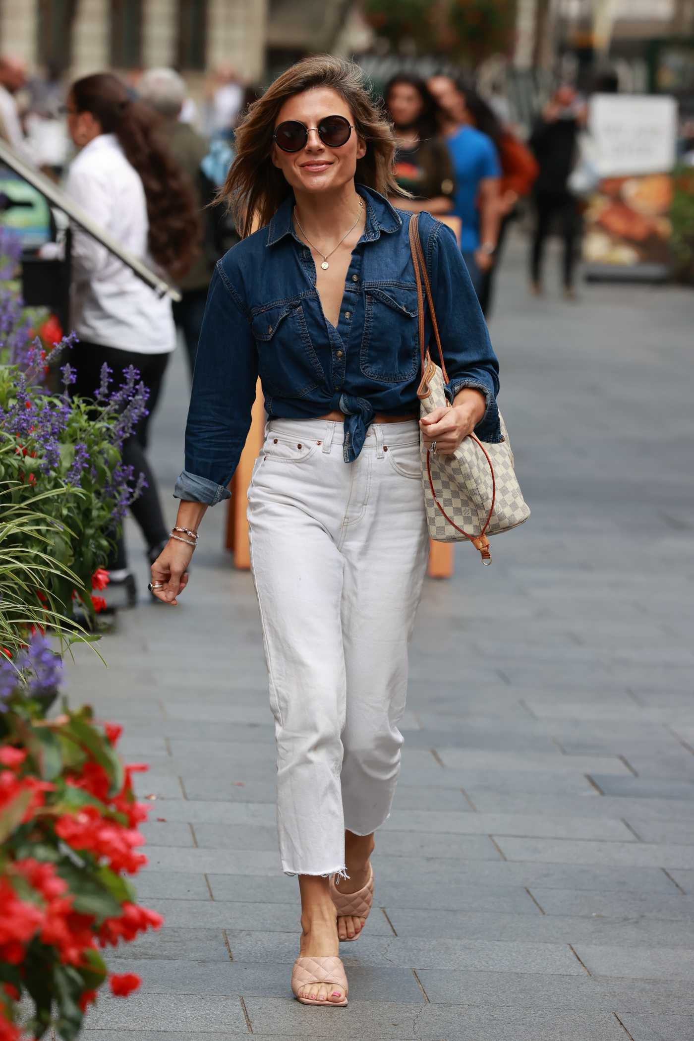 Zoe Hardman in a White Jeans Arrives at the Heart Radio in London 08/24/2020