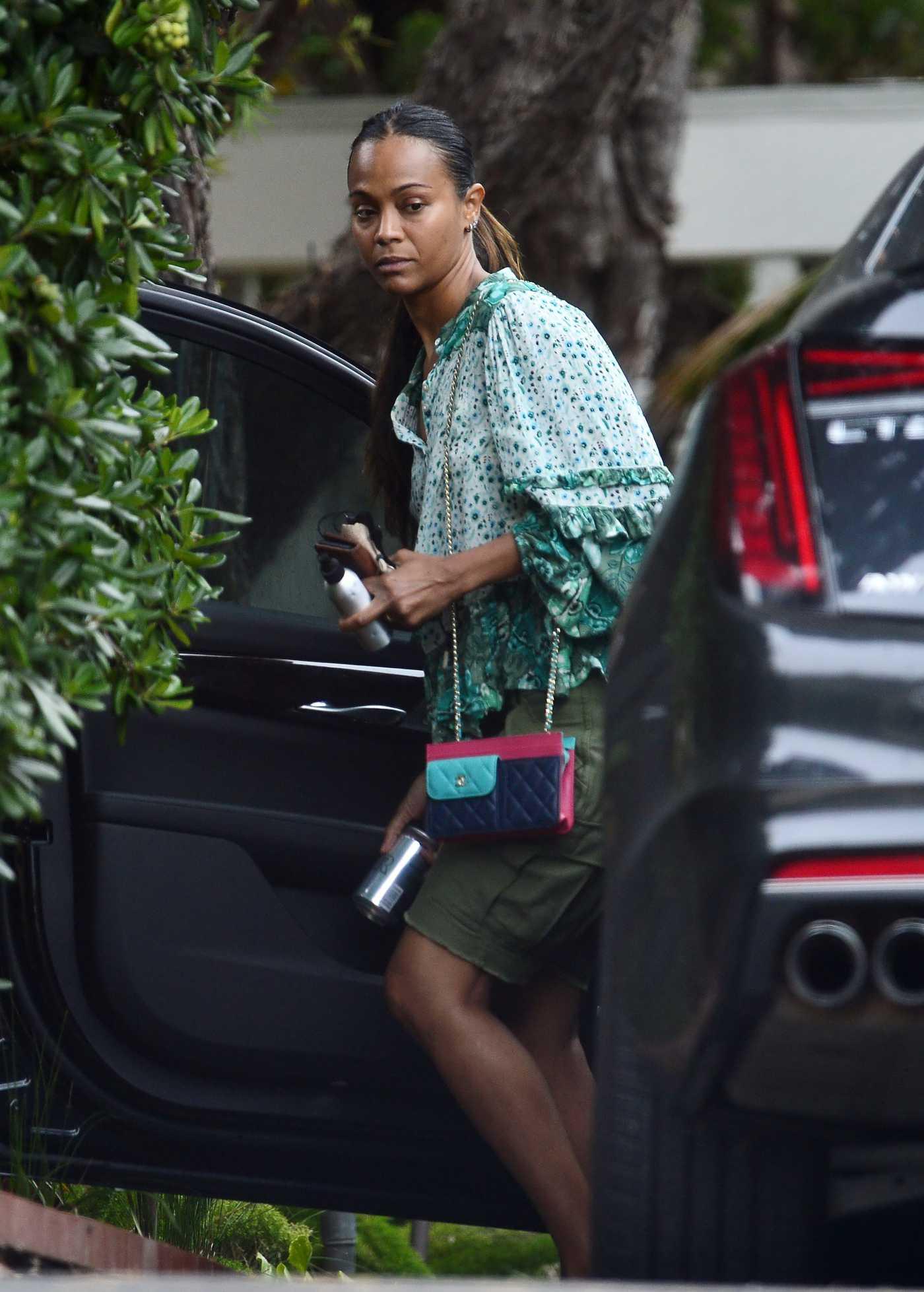 Zoe Saldana in a Silk Green Shirt Was Seen Out in Malibu 08/27/2020