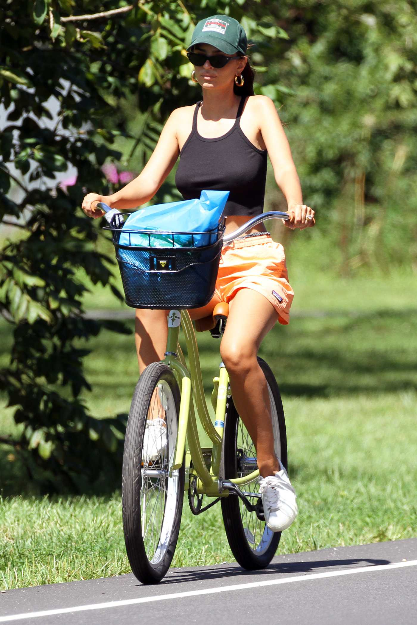 Emily Ratajkowski in a Black Top Does a Bike Ride in the Hamptons, NYC 08/30/2020