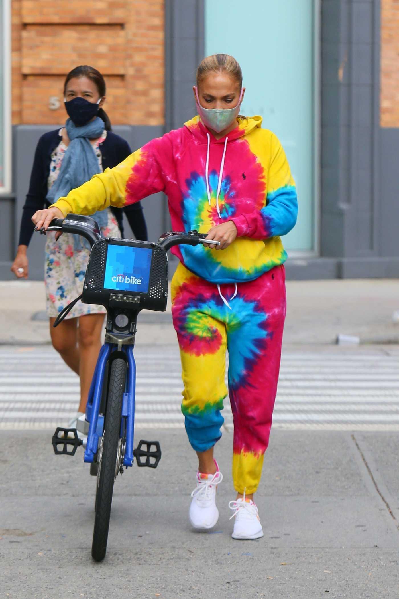 Jennifer Lopez in a Tie-Dye Sweatsuit Does a Bike Ride in New York City 09/07/2020