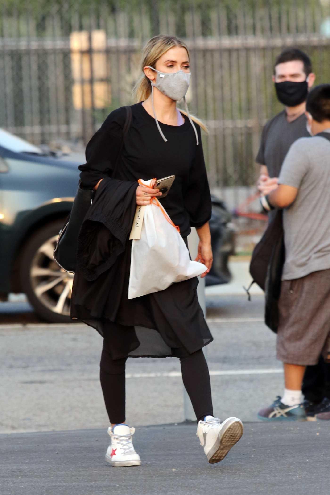 Kaitlyn Bristowe in a White Sneakers Leaves Her Dance Practice in Los Angeles 09/09/2020