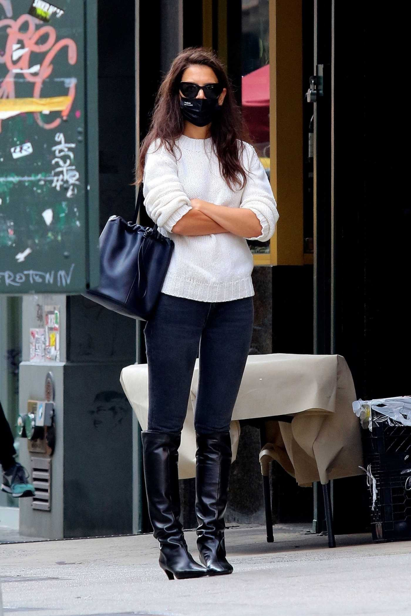 Katie Holmes in a Black Boots Goes Shopping Out in New York City 09/18/2020