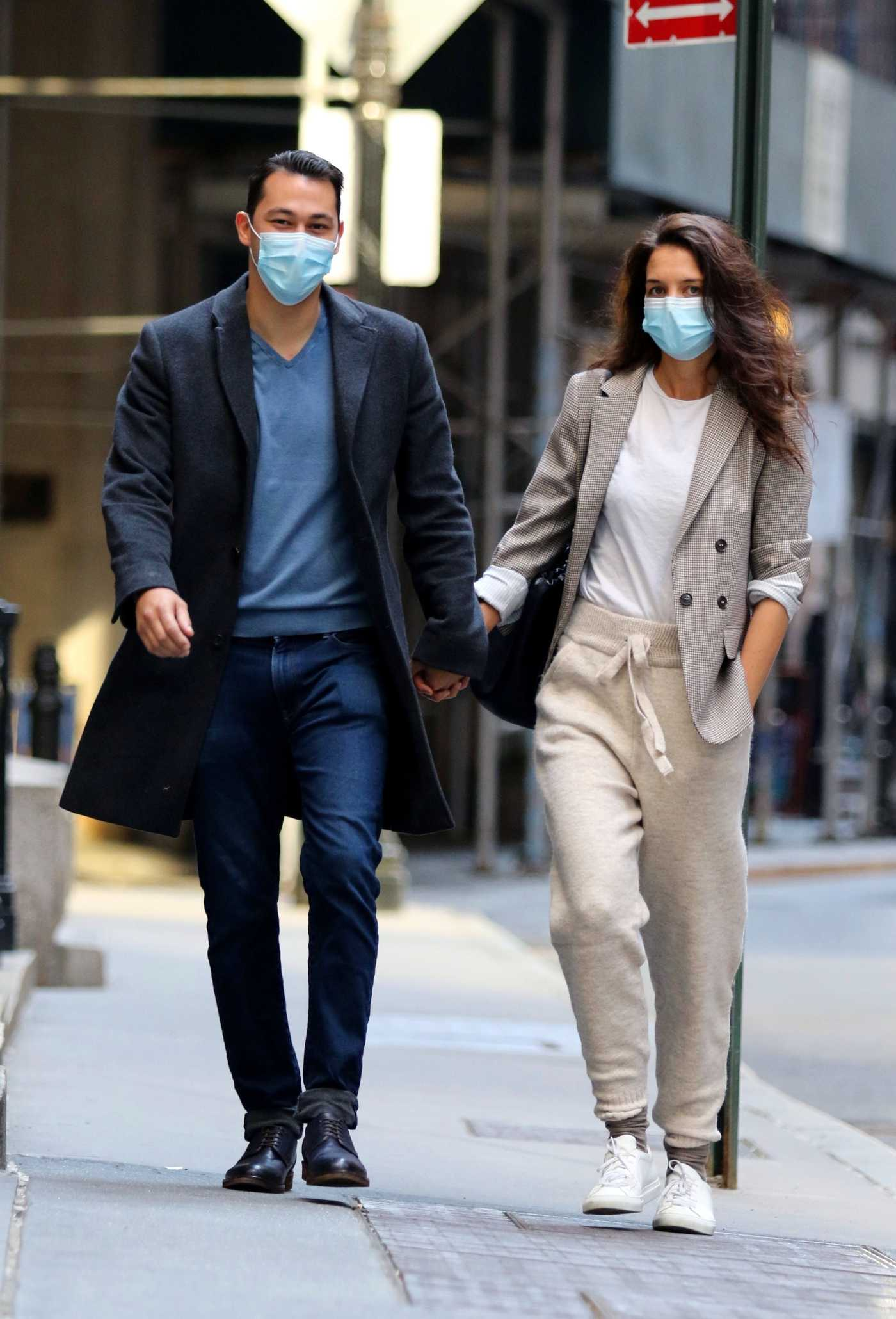 Katie Holmes in a White Sneakers Was Seen Out with Her Boyfriend Emilio Vitolo in New York 09/21/2020