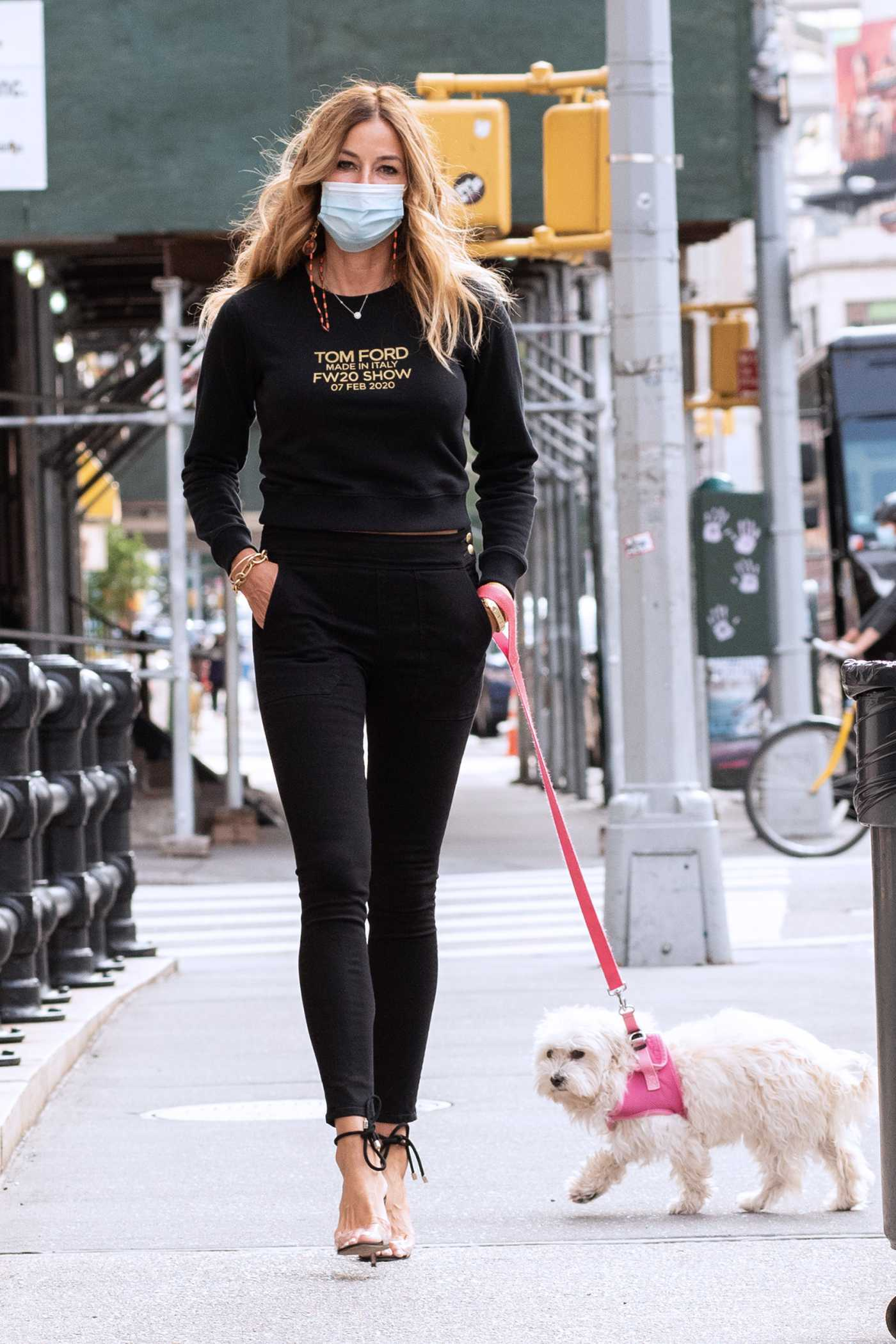 Kelly Bensimon in a Protective Mask Walks Her Dog in New York 09/13/2020