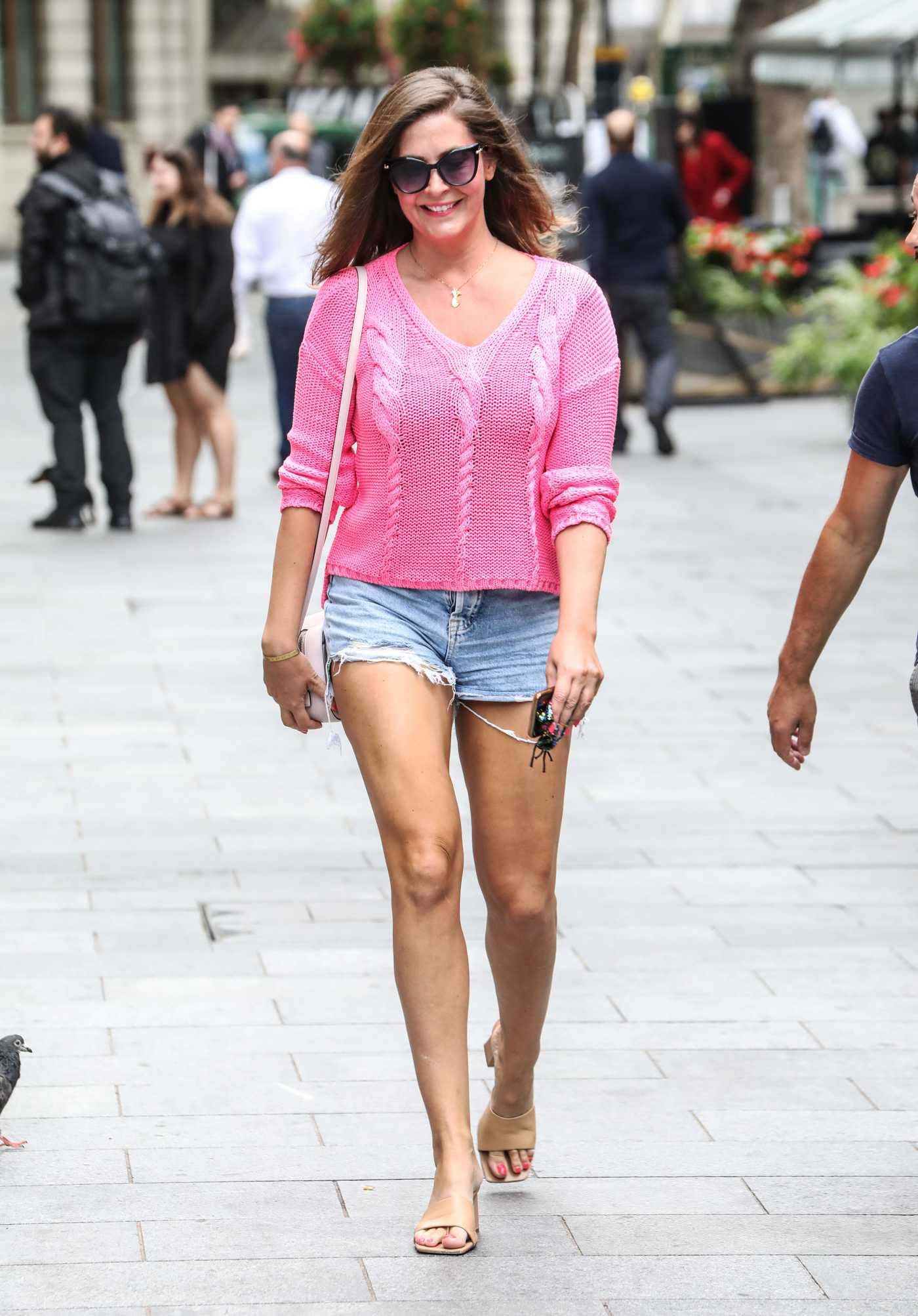 Lucy Horobin in a Knit Pink Blouse Arrives at the Global Radio Studios in London 09/01/2020