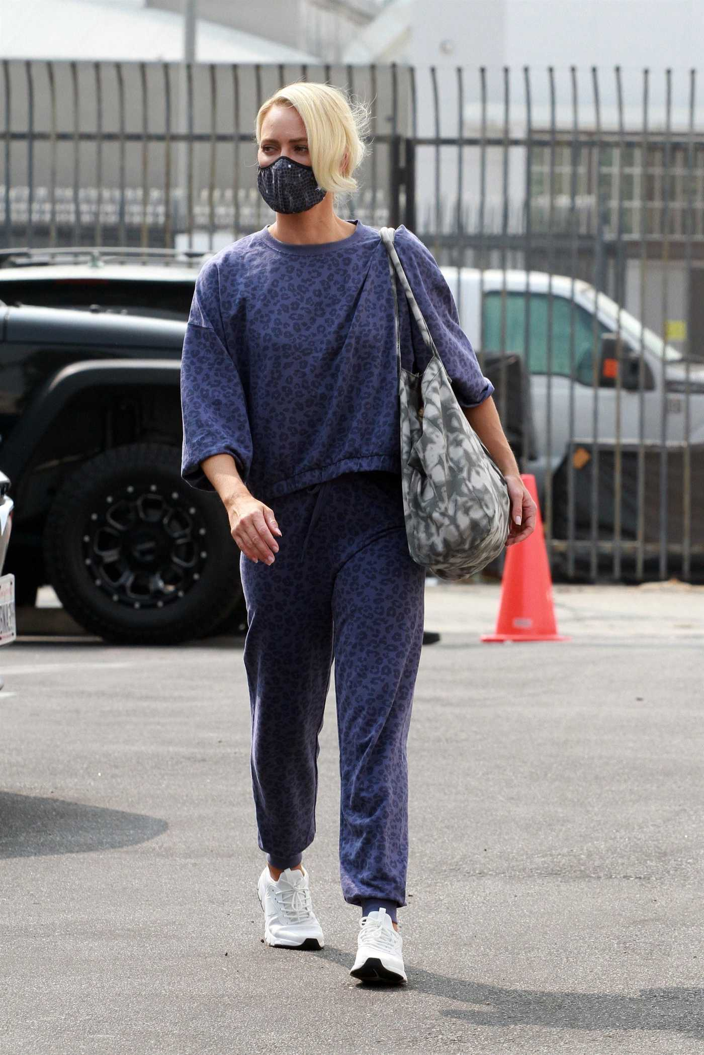 Peta Murgatroyd in a Blue Animal Print Sweatsuit Arrives at the DWTS Studio in Los Angeles 09/15/2020