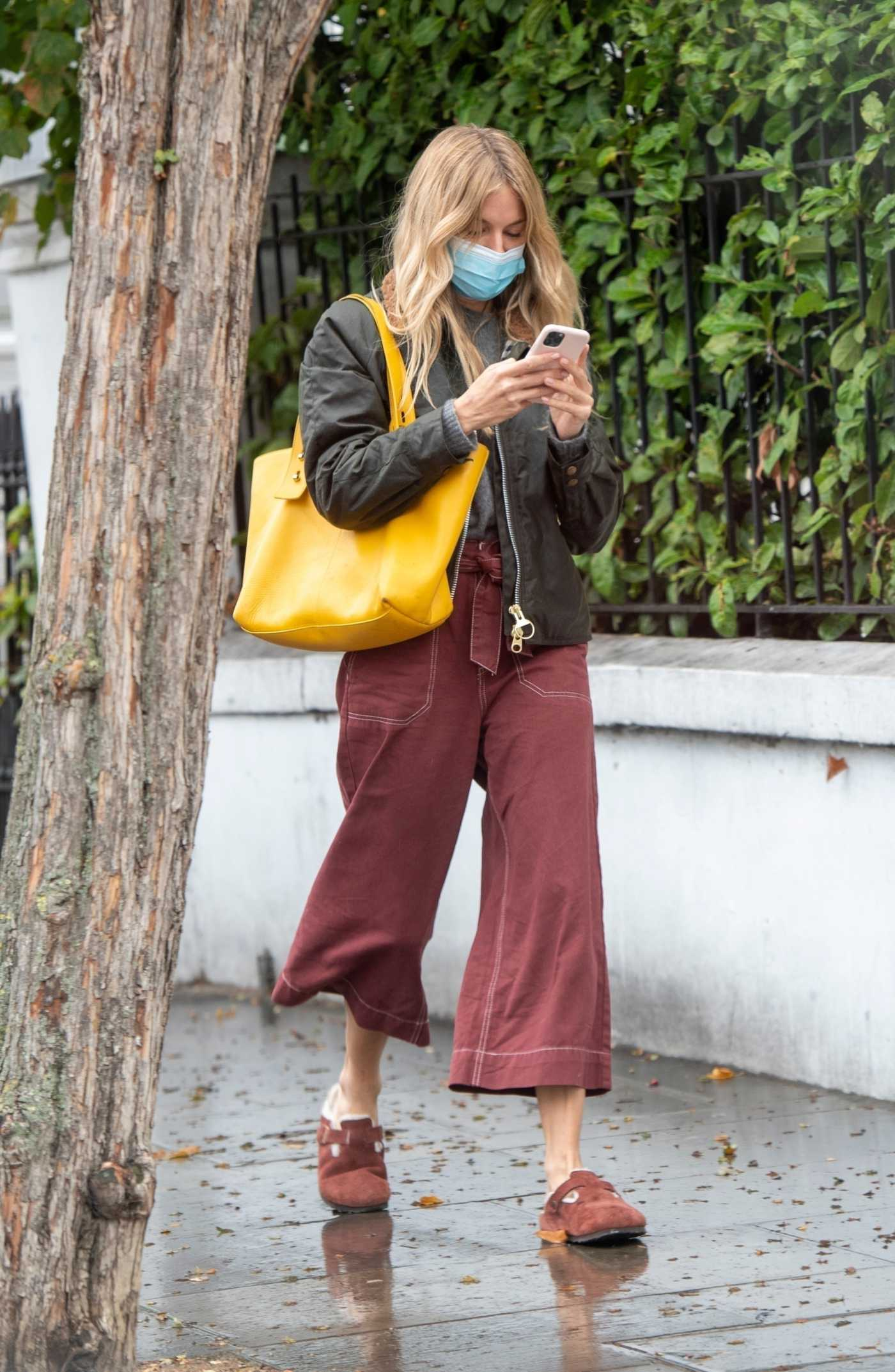 Sienna Miller in a Black Jacket Goes Shopping in Notting Hill, London 09/24/2020