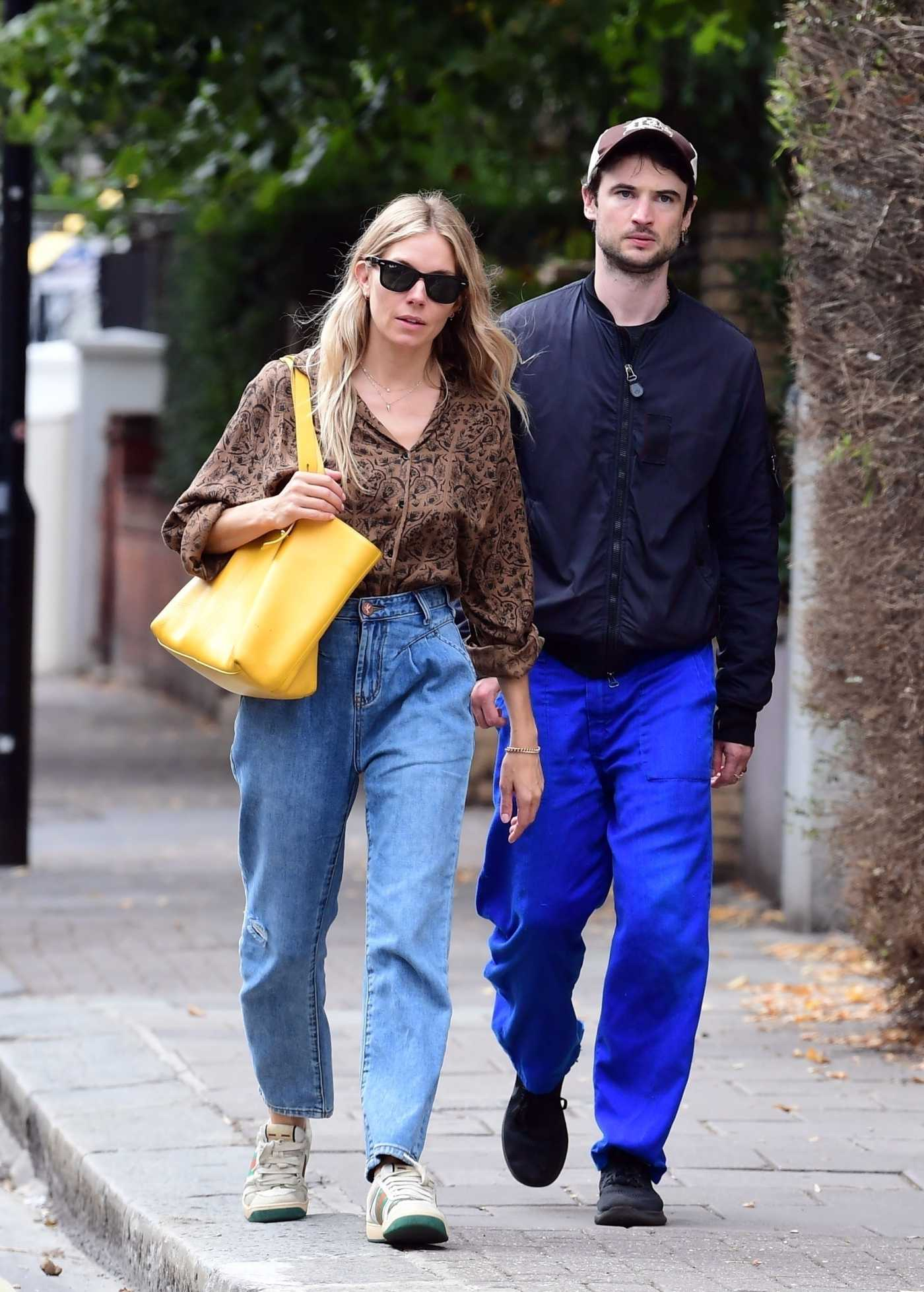 Sienna Miller in a Gucci Sneakers Was Spotted with Her ex Tom Sturridge in London 09/09/2020