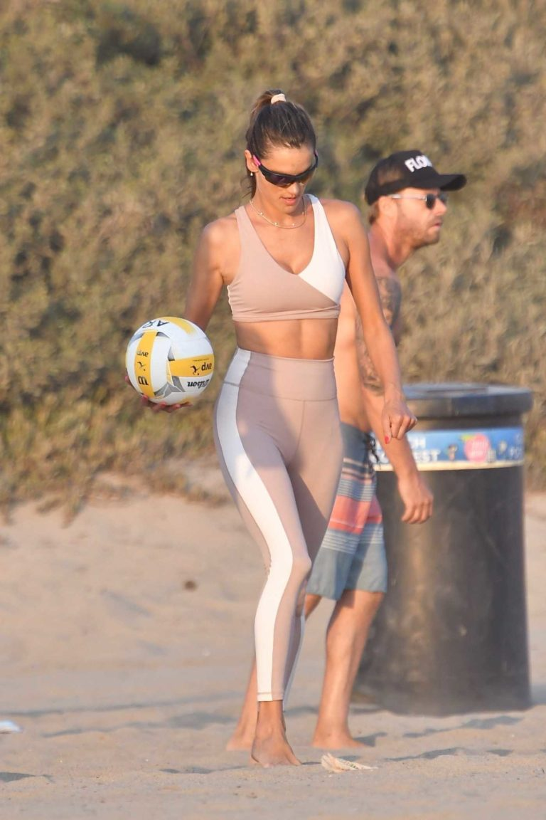 Alessandra Ambrosio in a Beige Workout Ensemble