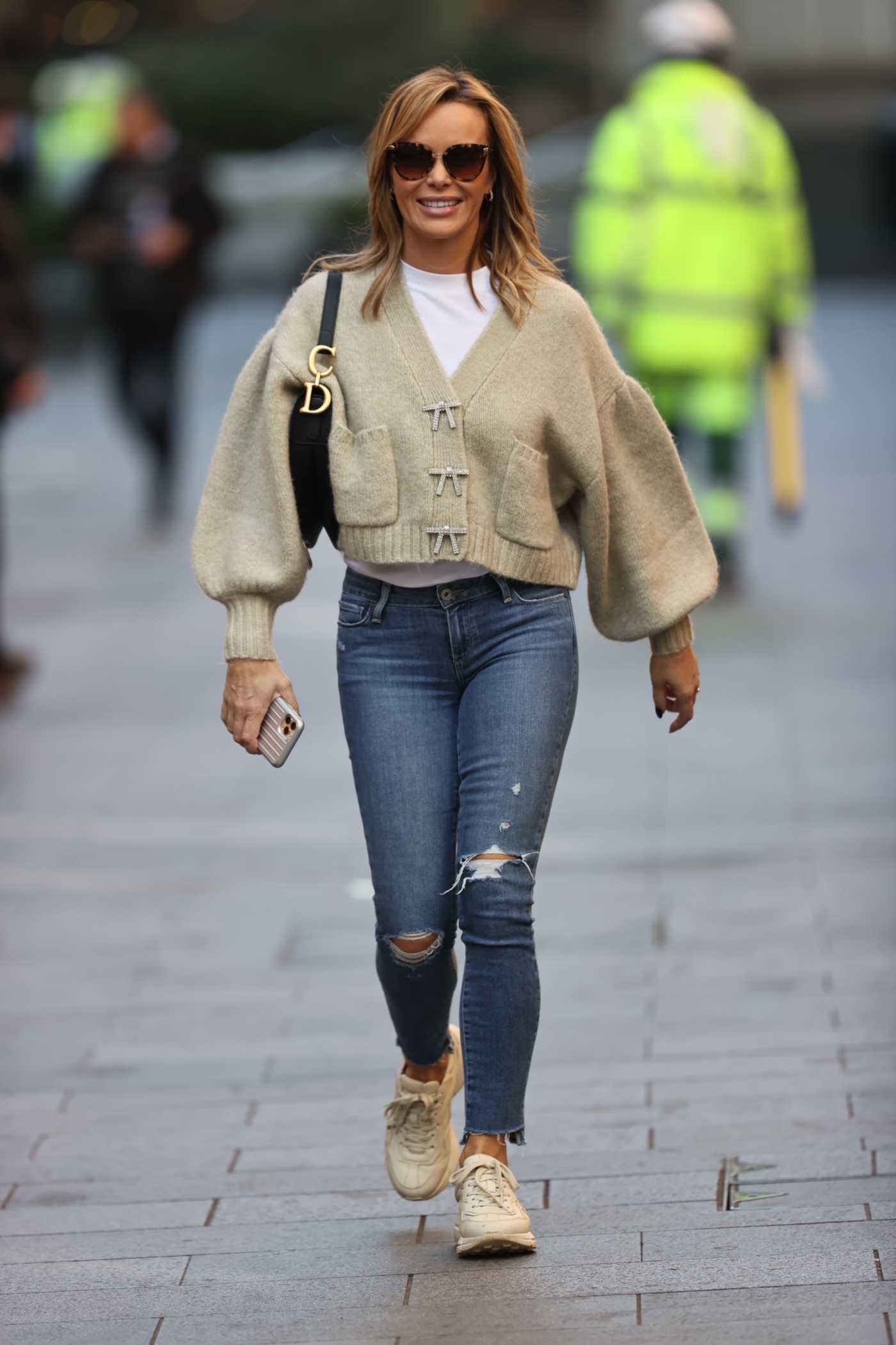 Amanda Holden in a Blue Ripped Jeans Was Seen Out in London 10/09/2020