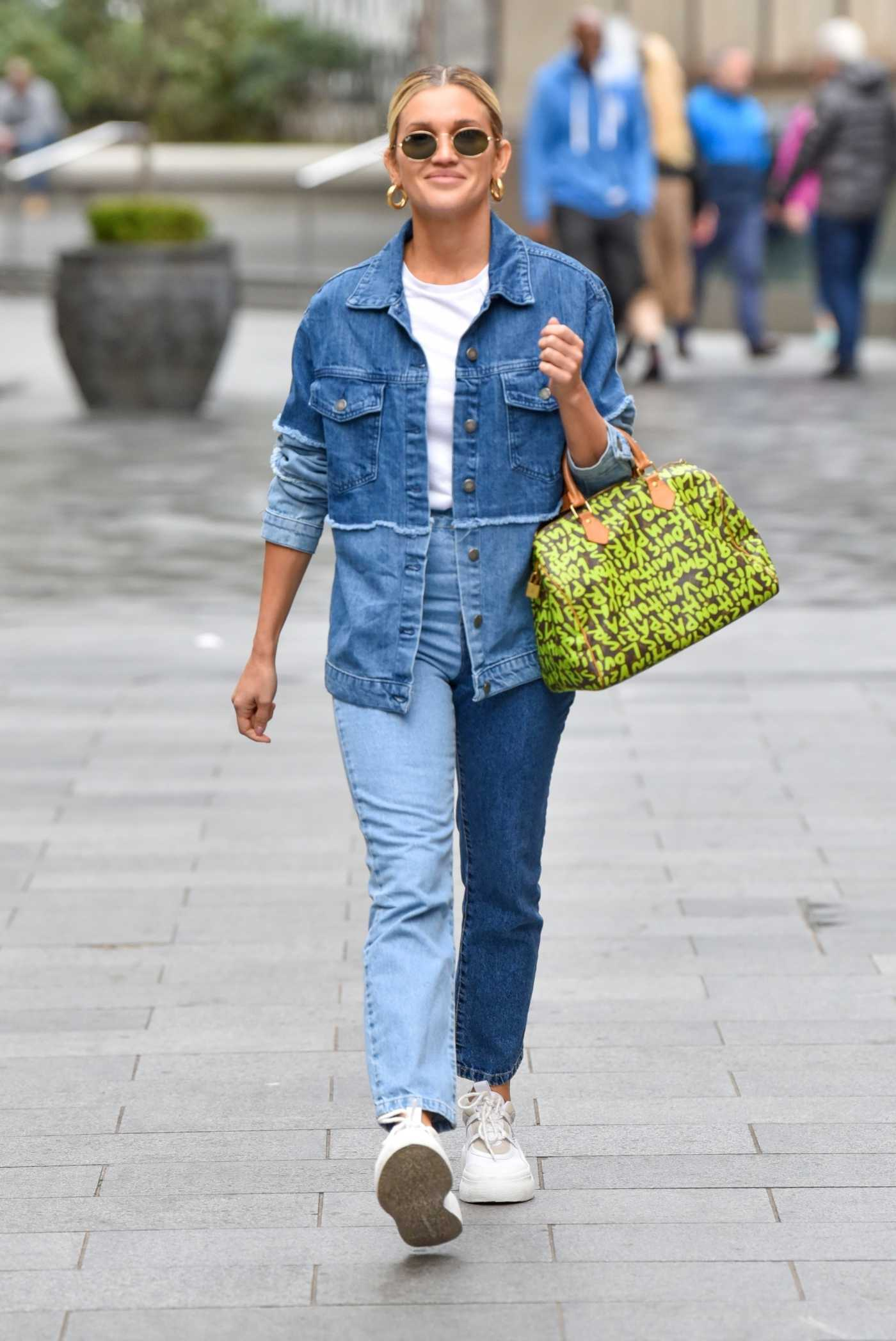 Ashley Roberts in a Blue Denim Suit Leaves the Global Studios in London 09/30/2020
