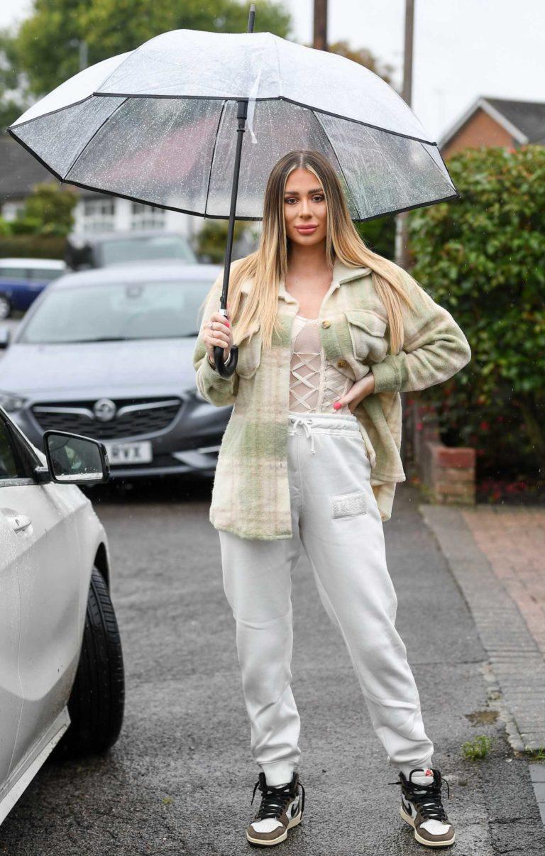 Demi Sims in a White Sweatpants