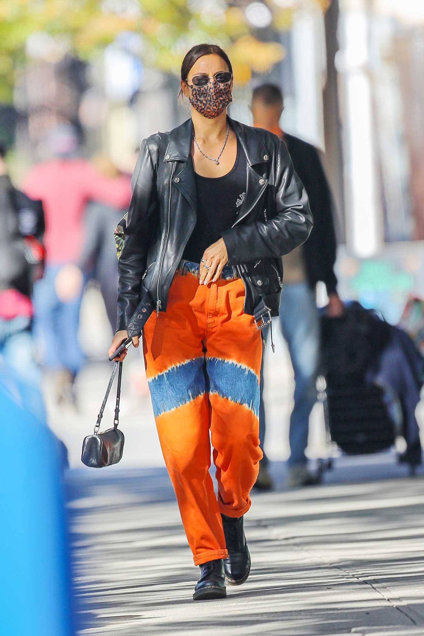 Irina Shayk in an Orange Pants Was Seen Out in New York 10/18/2020