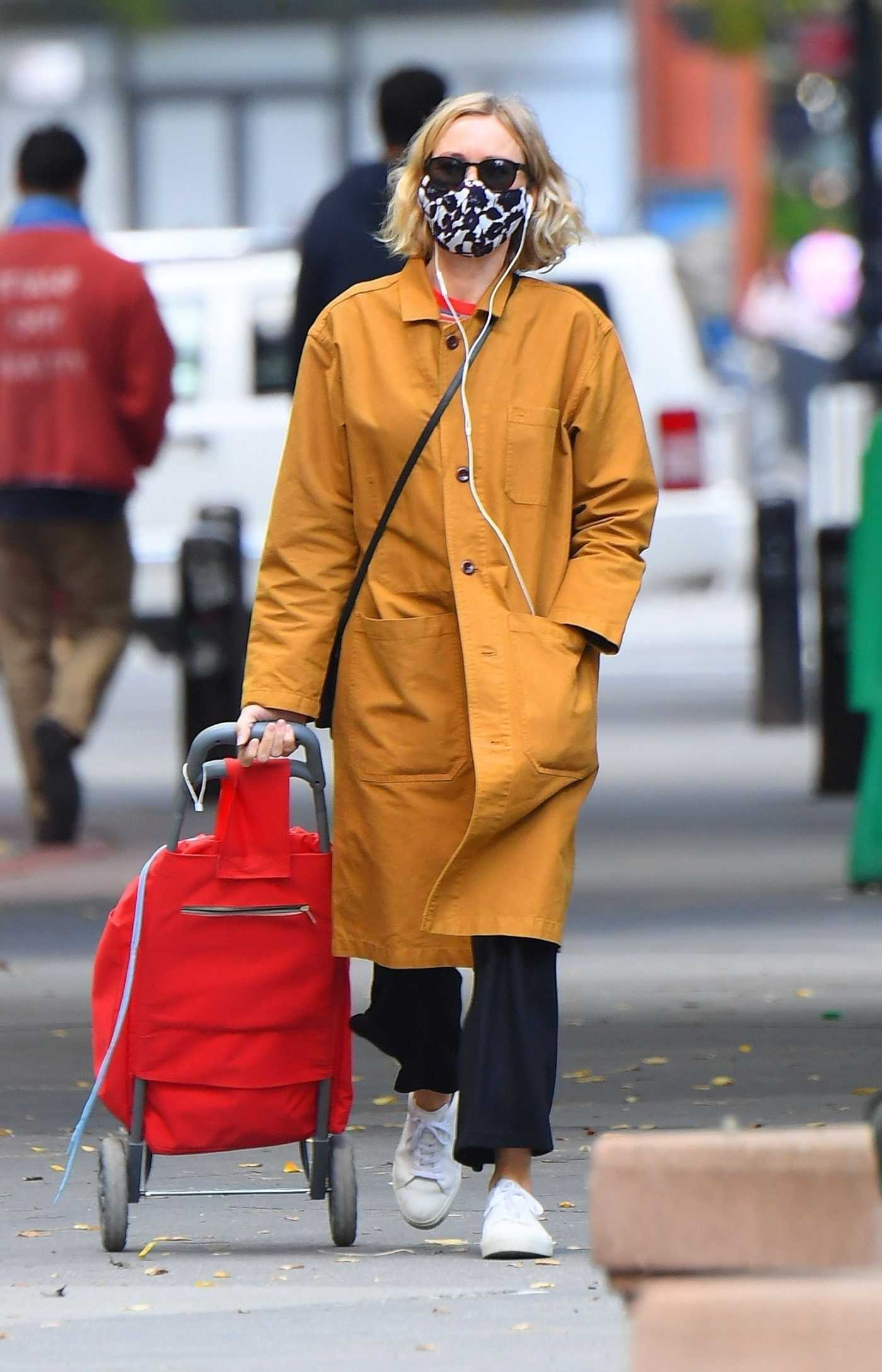 Naomi Watts in a Yellow Coat Was Seen Out in Tribeca 10/02/2020