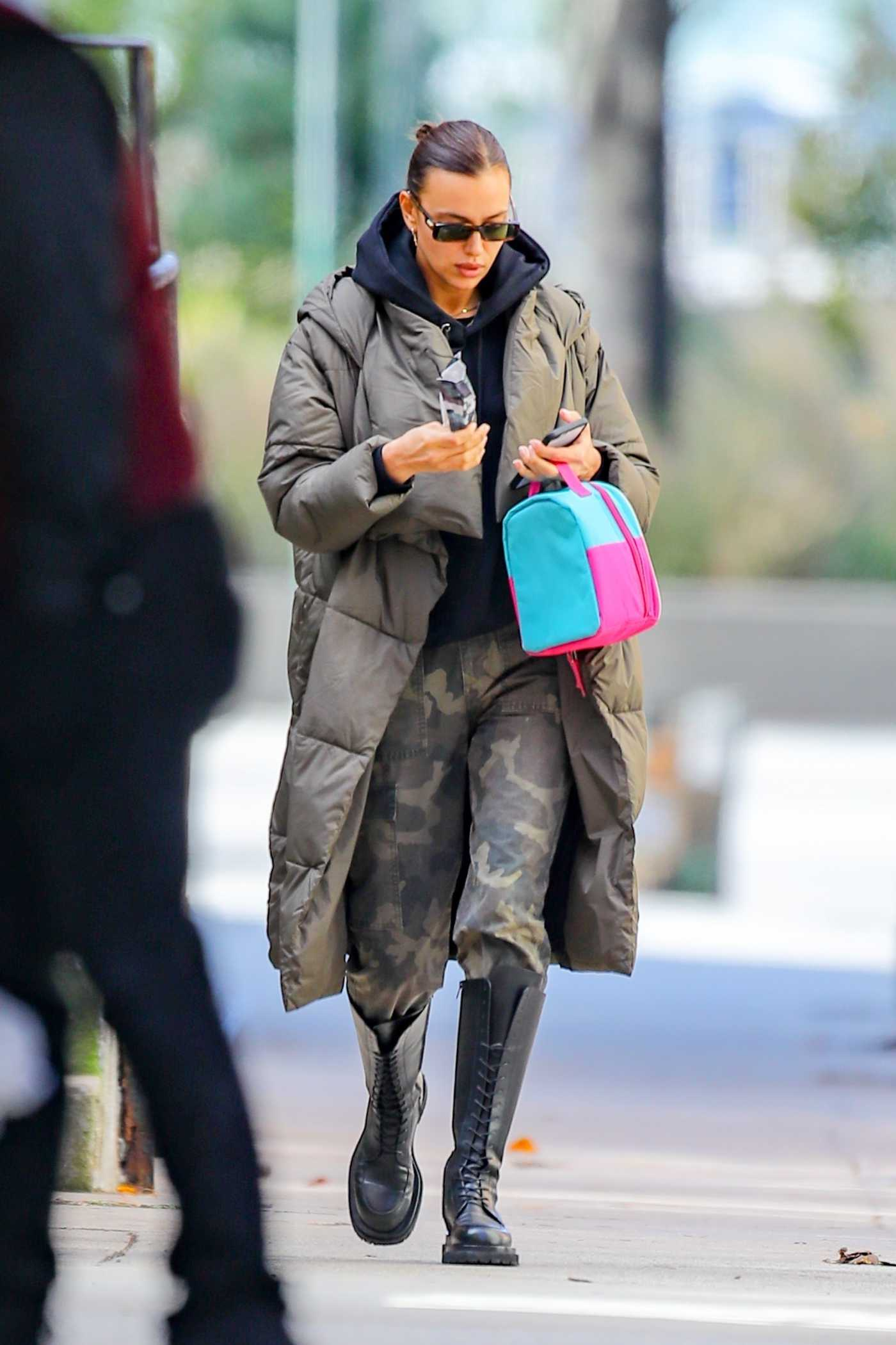 Irina Shayk in a Camo Pants Was Seen Out in the West Village in New York 11/18/2020