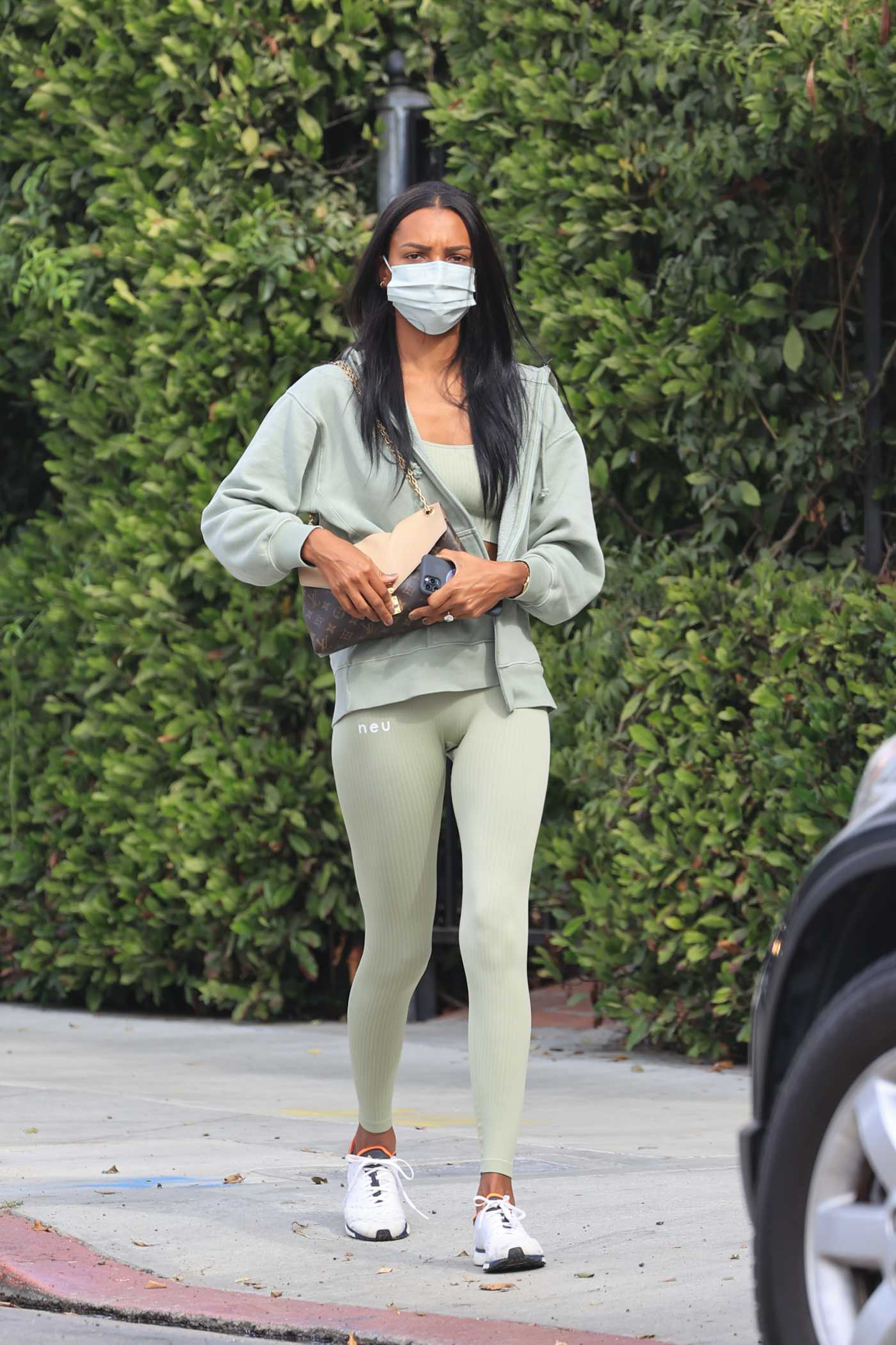Jasmine Tookes in a Green Leggings Heads to the Gym in Los Angeles 11/05/2020