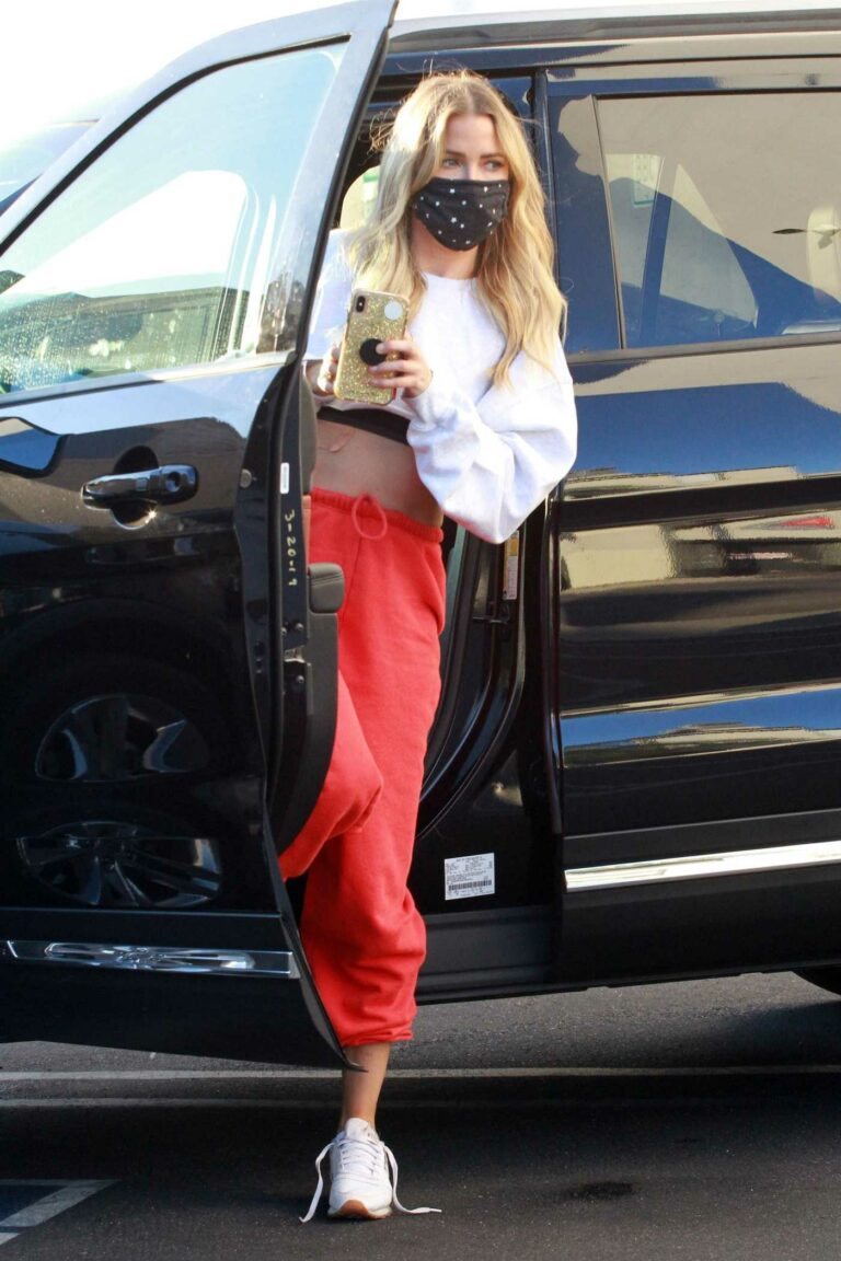 Kaitlyn Bristowe in a Red Sweatpants