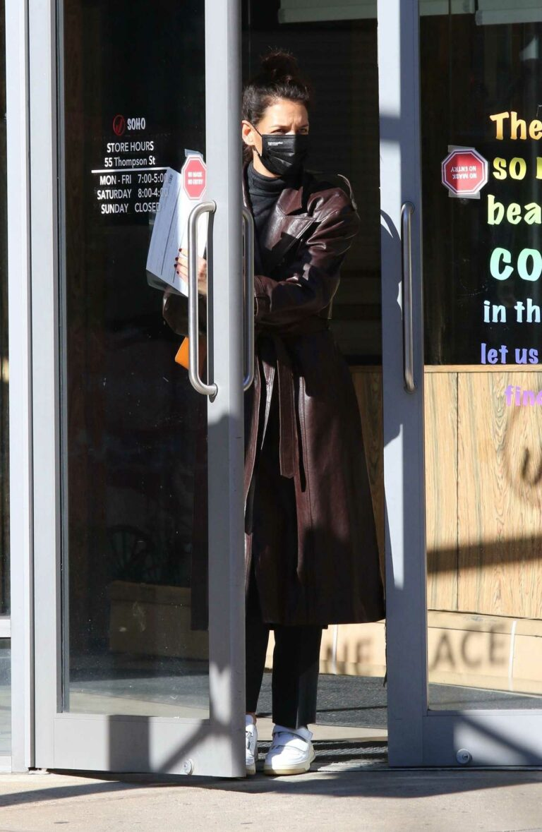 Katie Holmes in a Brown Leather Trench Coat