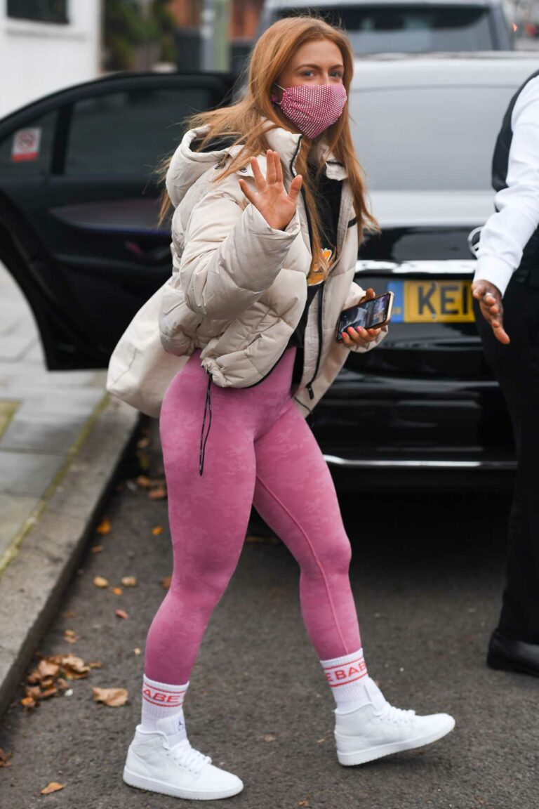 Maisie Smith in a Pink Leggings