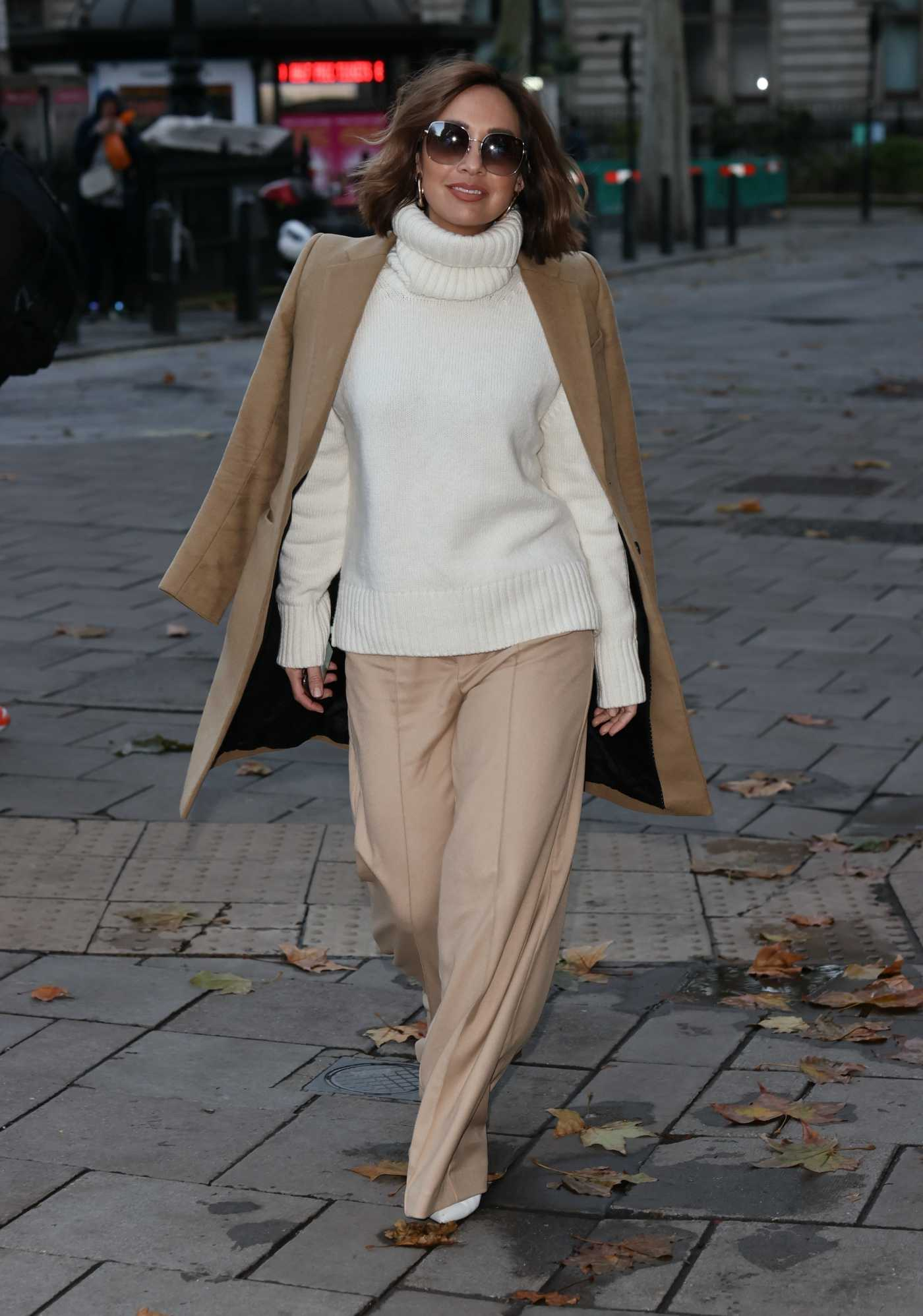 Myleene Klass in a Beige Coat Arrives at the Global Radio in London 11/19/2020