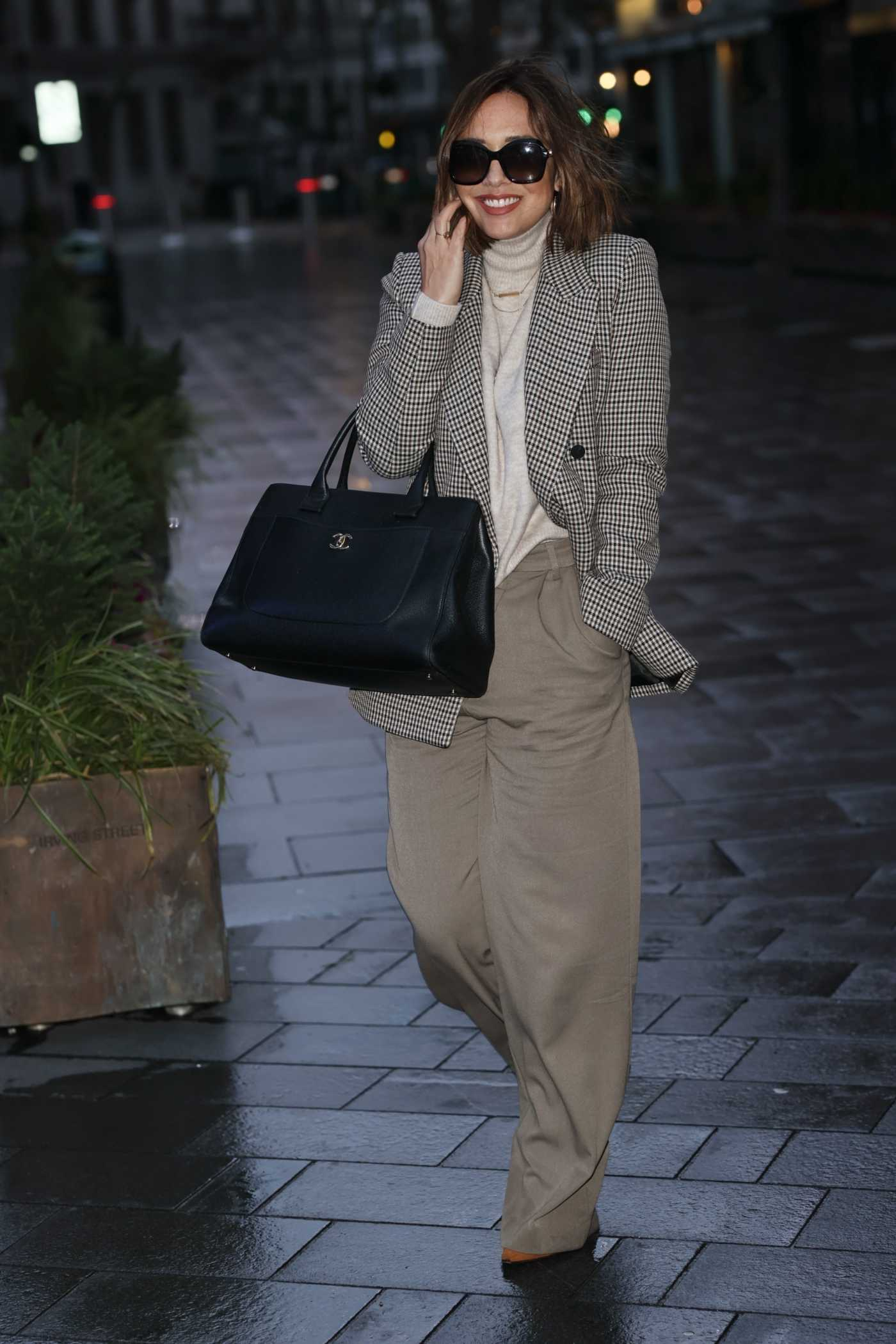Myleene Klass in a Beige Pants Arrives at the Smooth Radio in London 11/14/2020