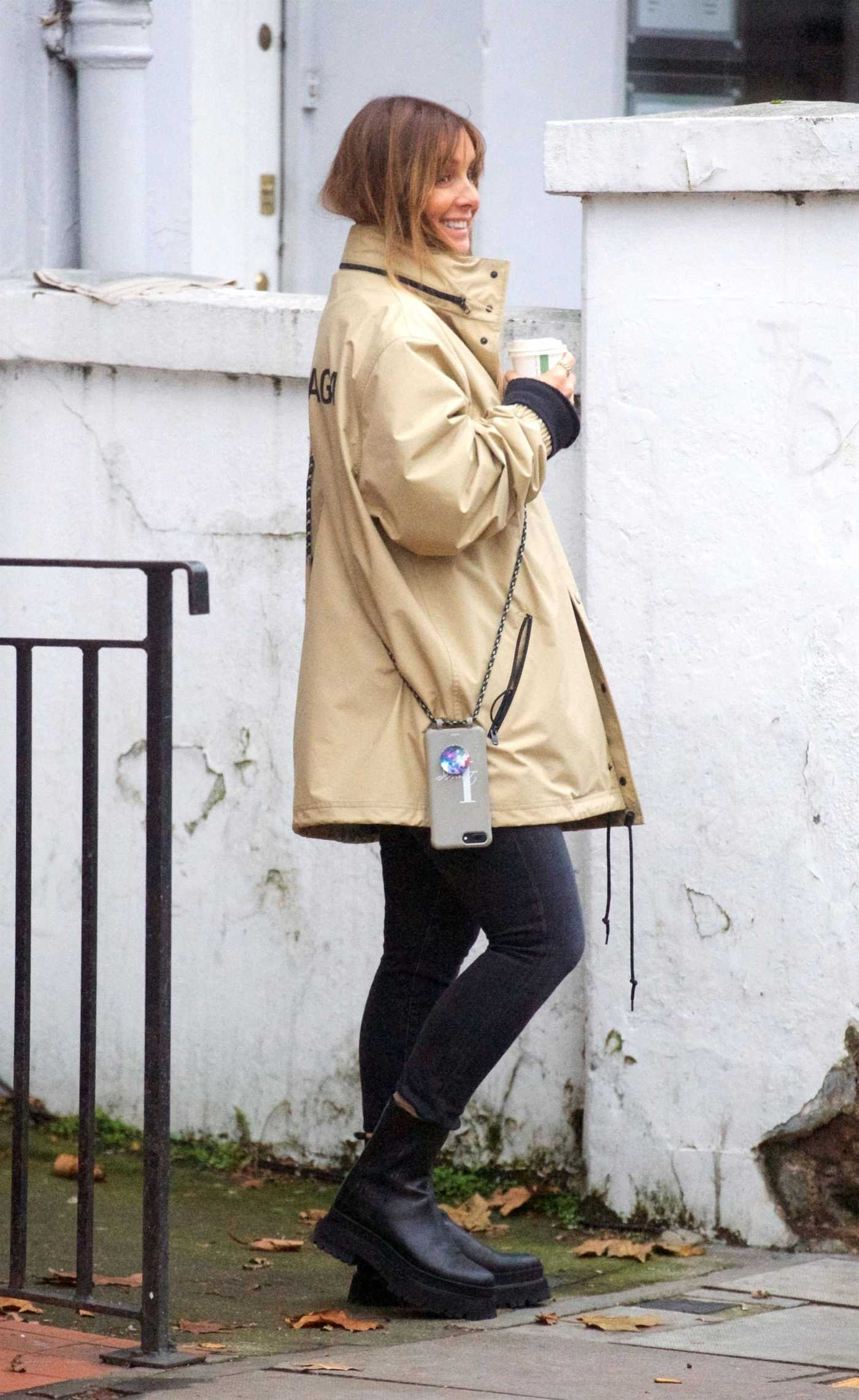 Louise Redknapp in a Beige Jacket Was Seen Out in Primrose Hill 11/17/2020