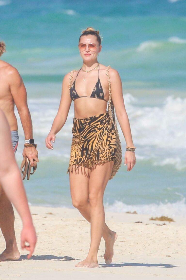 Rachel Hilbert in Bikini