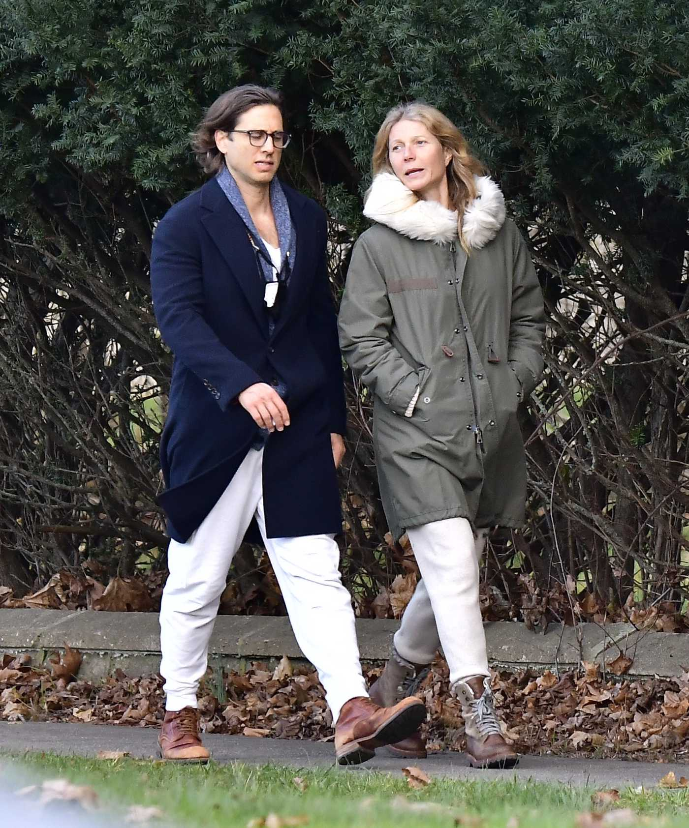 Gwyneth Paltrow in a White Sweatpants Was Spotted Out with Her Husband Brad Falchuk in the Hamptons, New York 11/29/2020