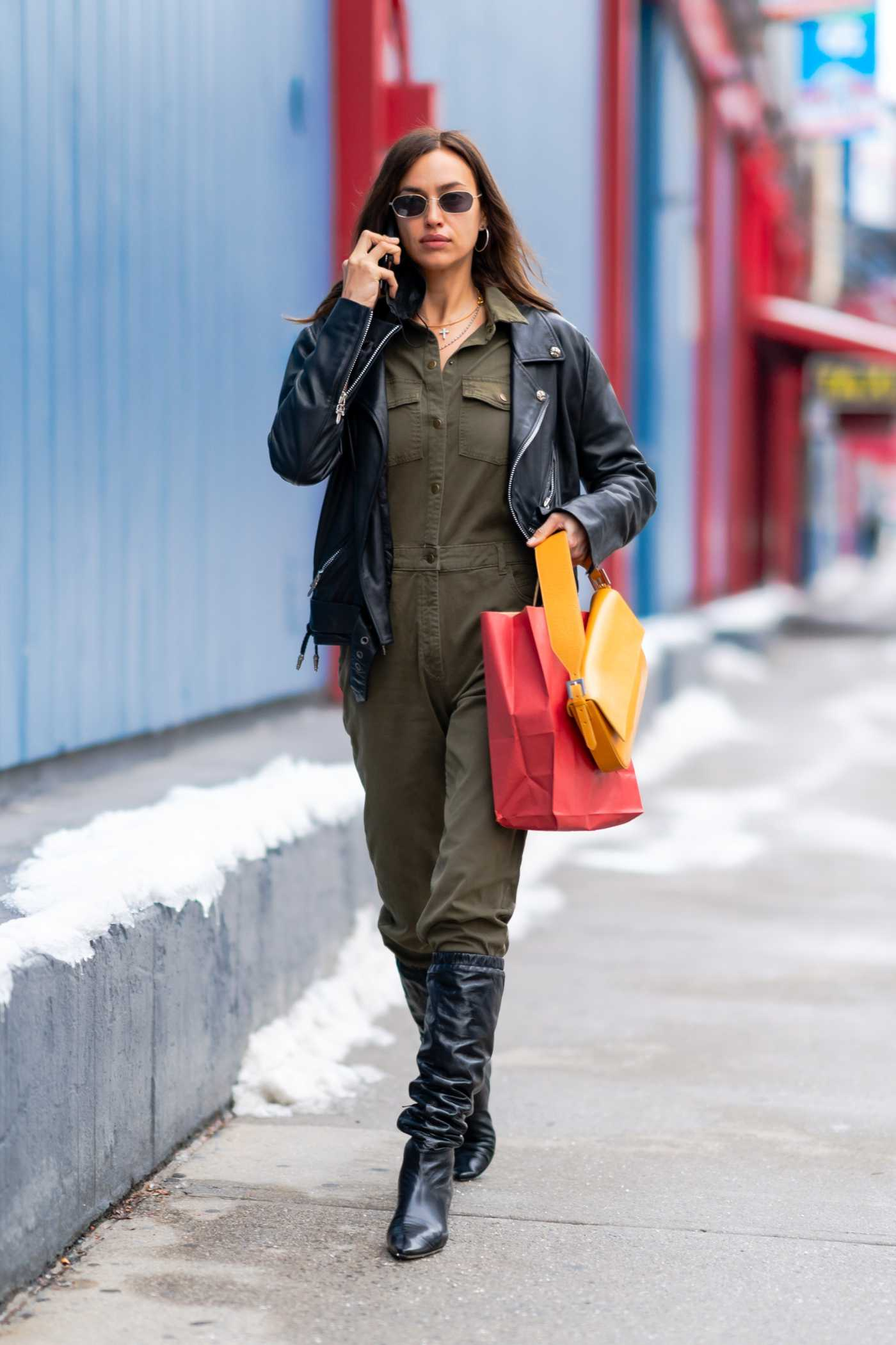 Irina Shayk in a Black Leather Jacket Was Seen Out in New York 12/20/2020